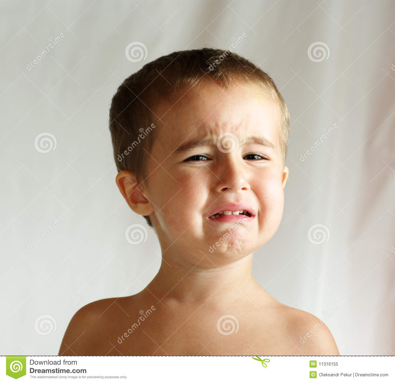crying-boy-11316155.jpg