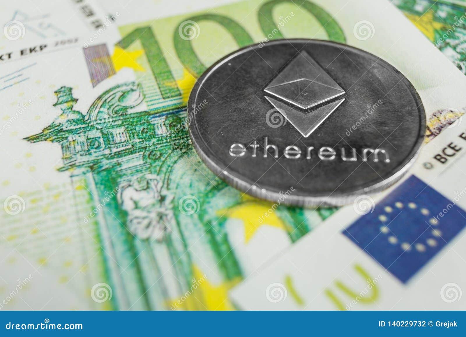Crypto muntconcept - een Ethereum met euro rekeningen