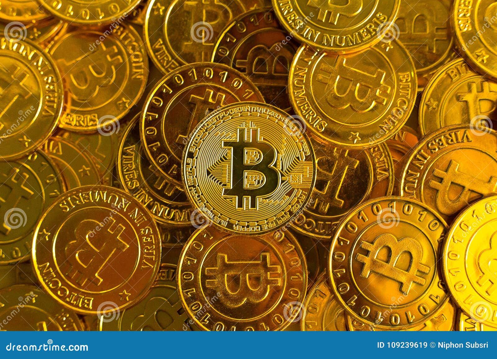 Crypto waluty pojęcie Bitcoins, Złociste monety, Cryptocurrency dowcip