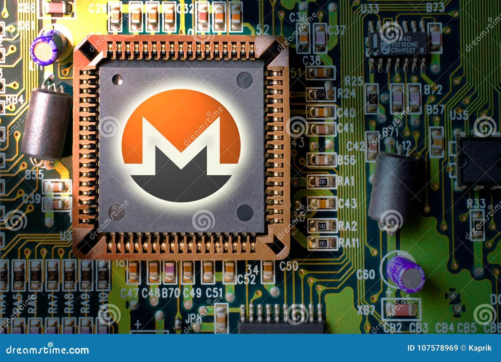 Cryptocurrency e blockchain - dinheiro financeiro da tecnologia e do Internet - mineração da placa de circuito e moeda Monero XMR