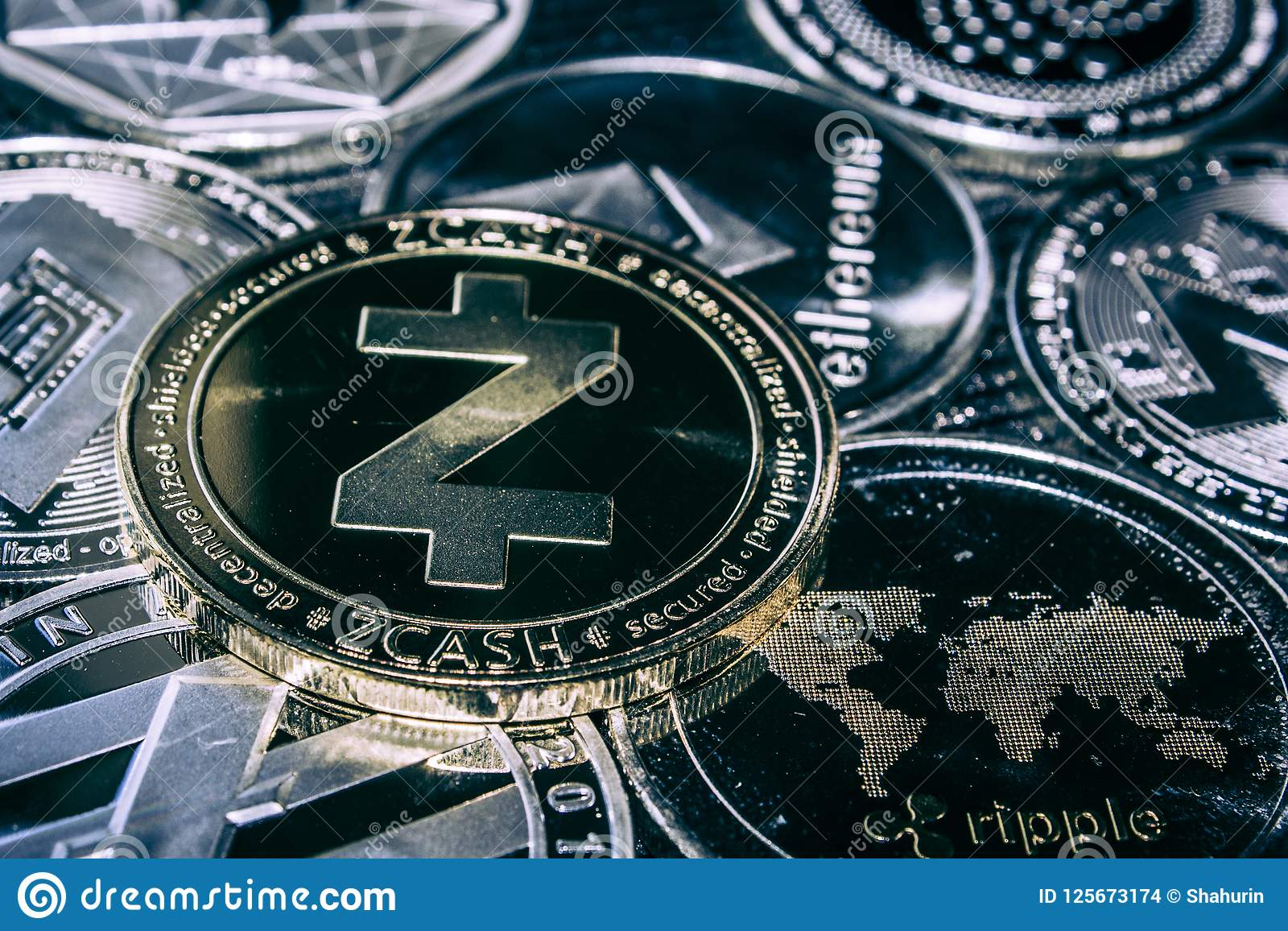 Cryptocurrency Zcash νομισμάτων στο υπόβαθρο των κύριων altcoins