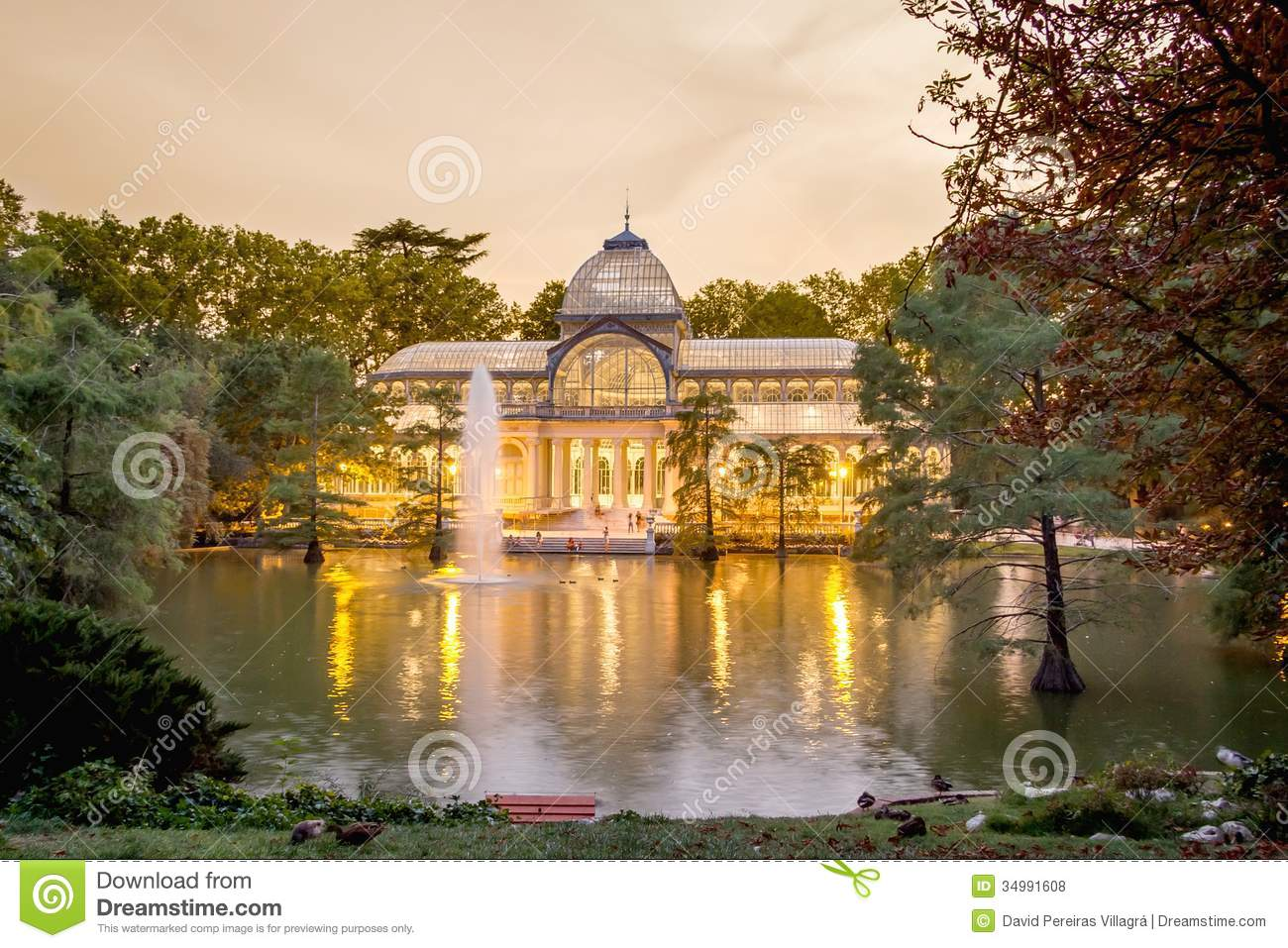 Crystal Palace In Buen Retiro Park, Madrid Royalty Free Stock Photos - Image: 34991608