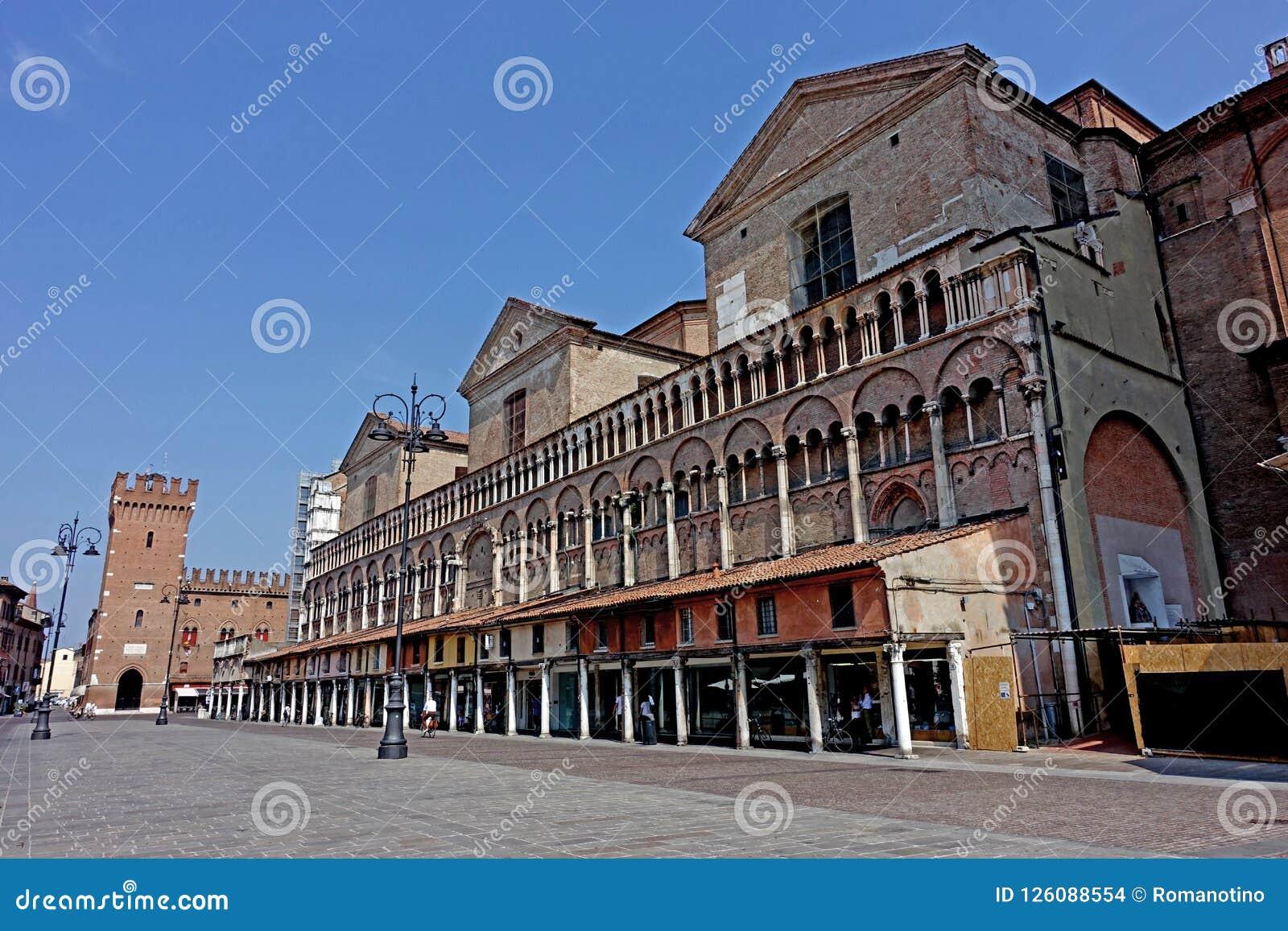 Cuadrado de Trento e Trieste de la plaza de Ferrara