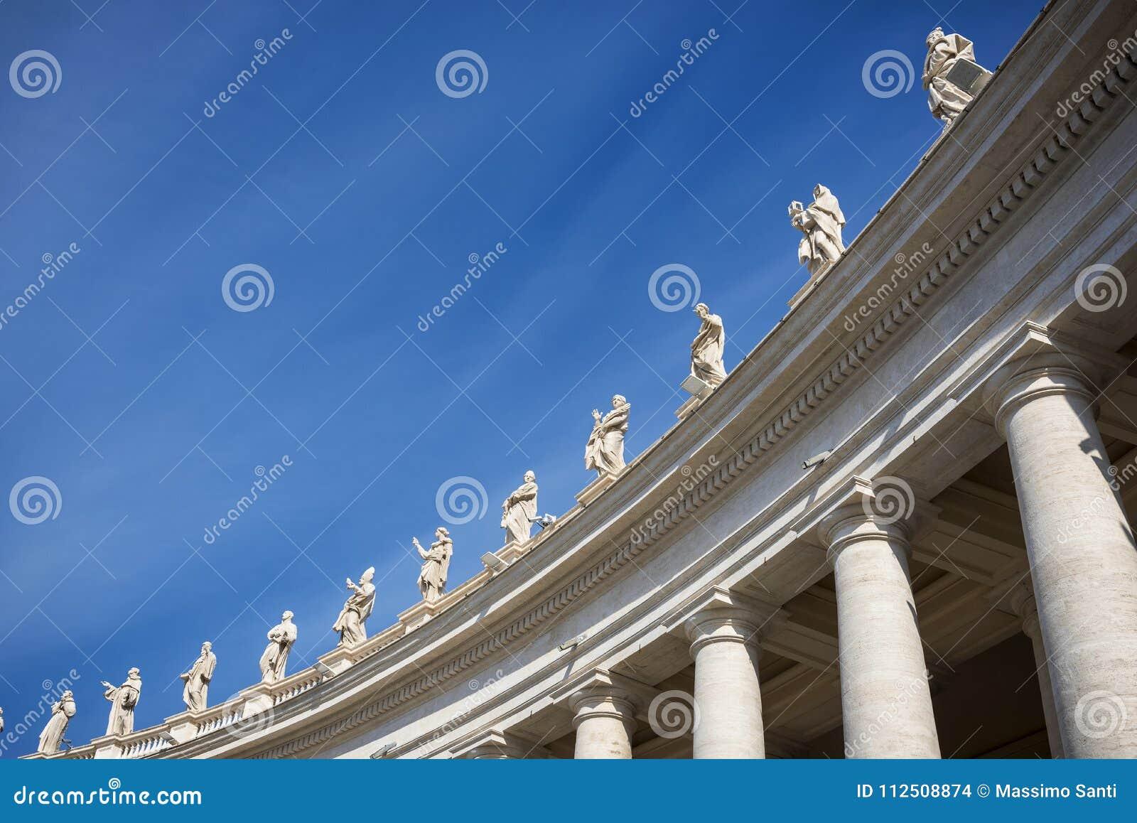 """Cuadrado del ` s de San Pietro St Peter de la plaza del †de Roma """"- columnata del Bernini Gianlorenzo Italia"""