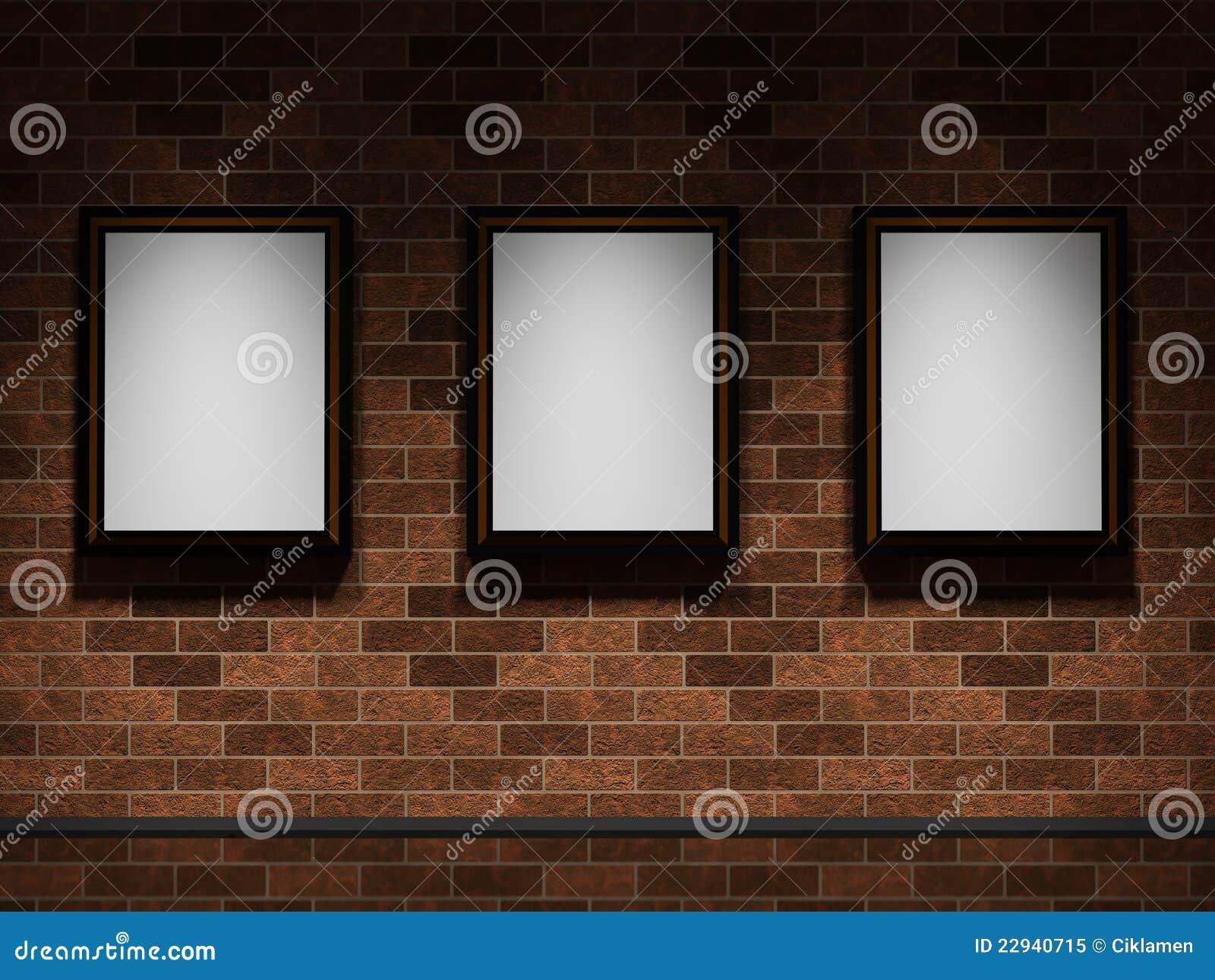 Cuadros en una pared de ladrillo foto de archivo libre de for Cuadros de pared grandes