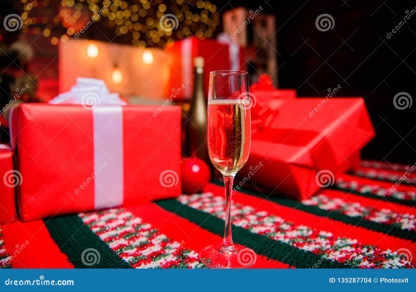 Cualidad tradicional del Año Nuevo Feliz Año Nuevo y Feliz Navidad Vidrio de cierre del champán para arriba E