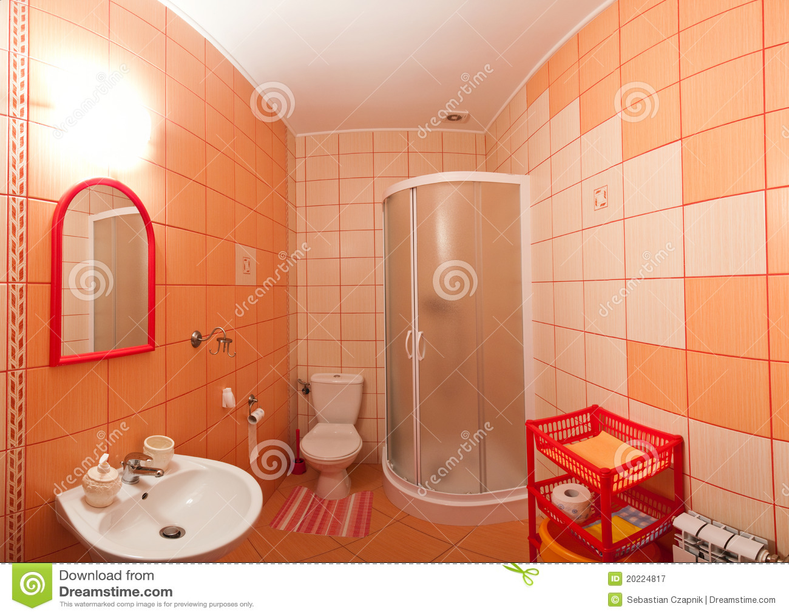 cuarto de ba o anaranjado fotograf a de archivo libre de regal as imagen 20224817. Black Bedroom Furniture Sets. Home Design Ideas