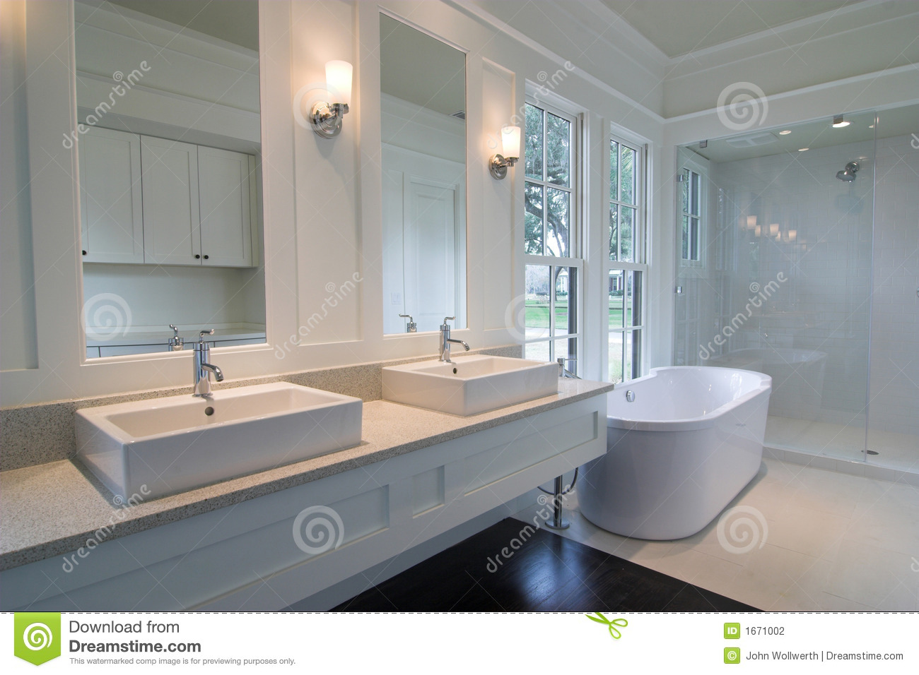 Baño Blanco Suelo Madera:Custom Bathroom Ideas