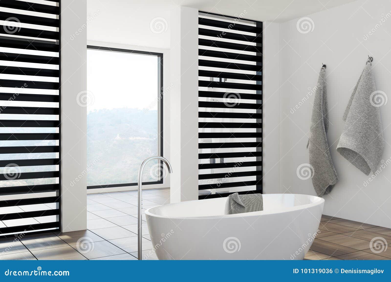 Cuarto De Baño Blanco Y Negro De Lujo, Tina, Lado Stock de ...