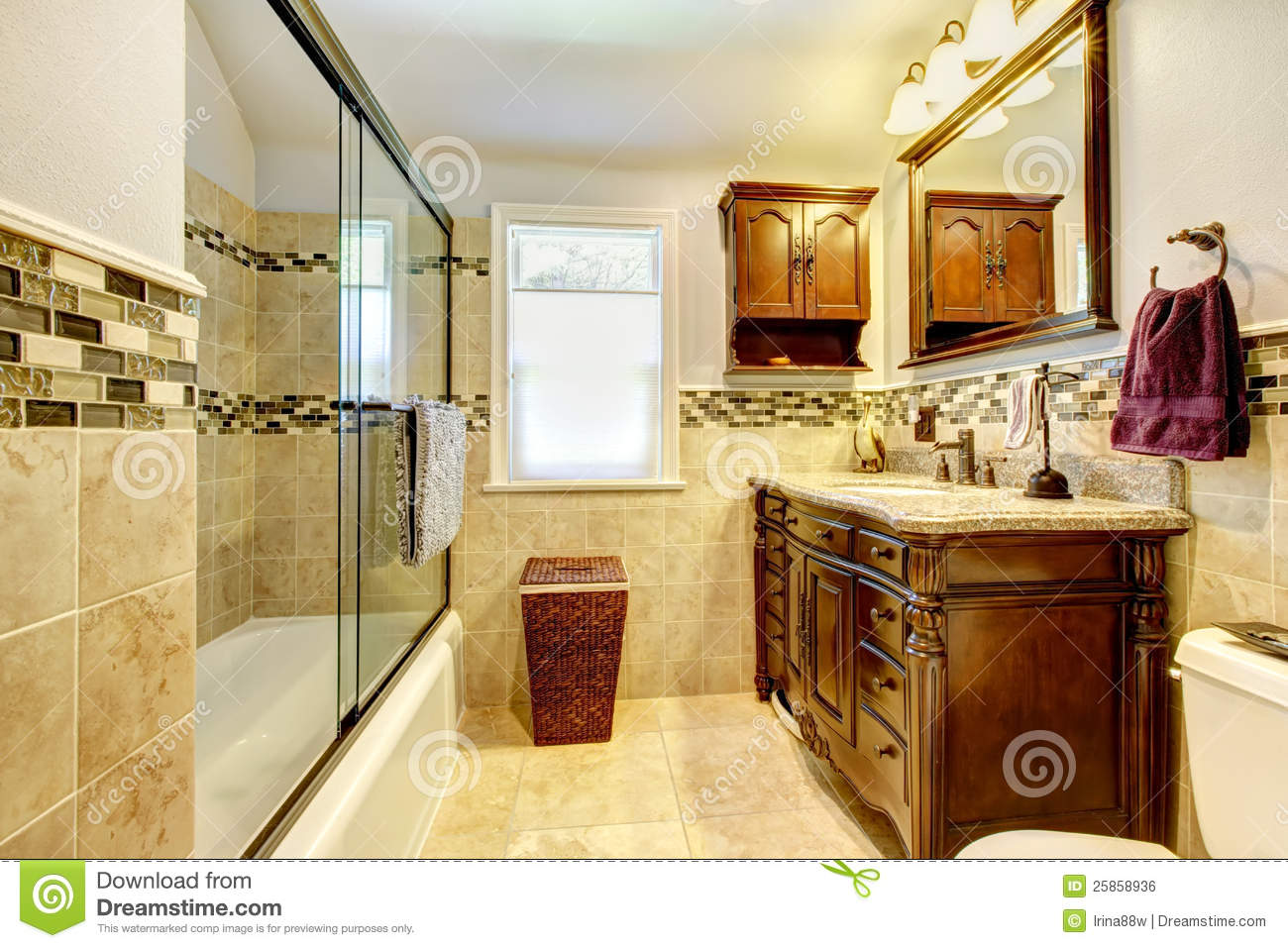 Cabina De Baño Con Tina:Bathroom with Natural Wood and Stone