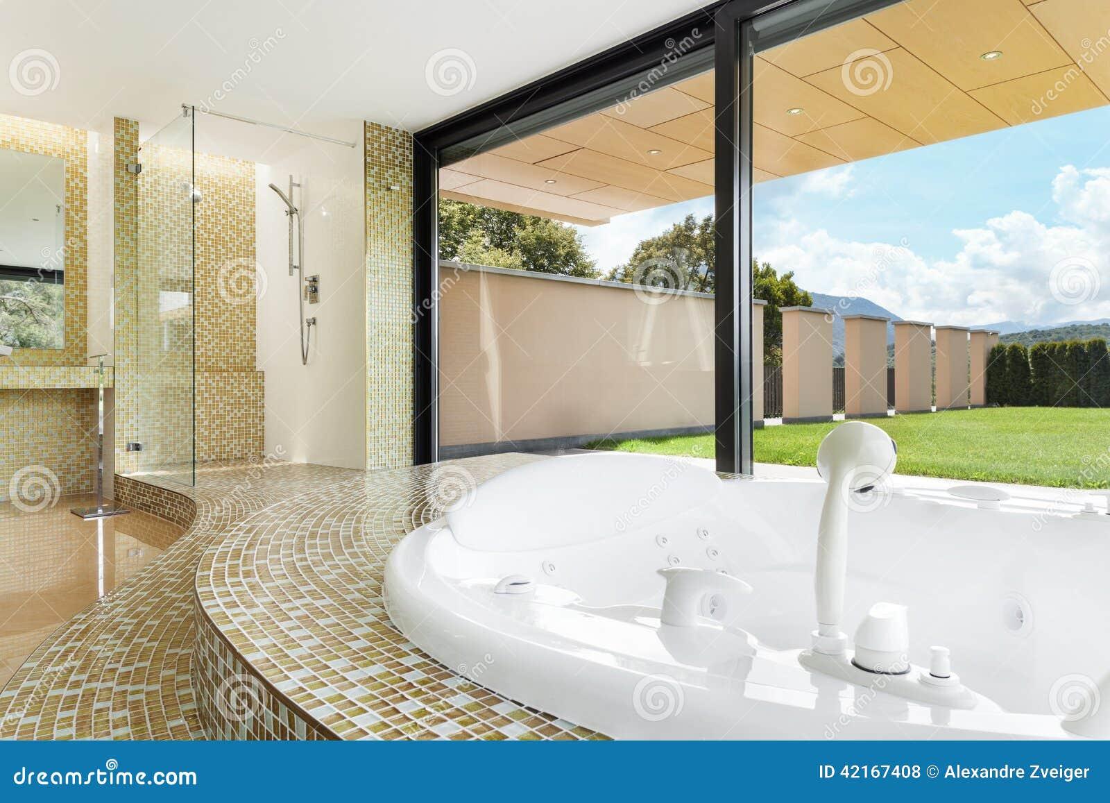 Cuarto de ba o hermoso con el jacuzzi foto de archivo imagen de interior bathroom 42167408 - Banos con jacuzzi ...