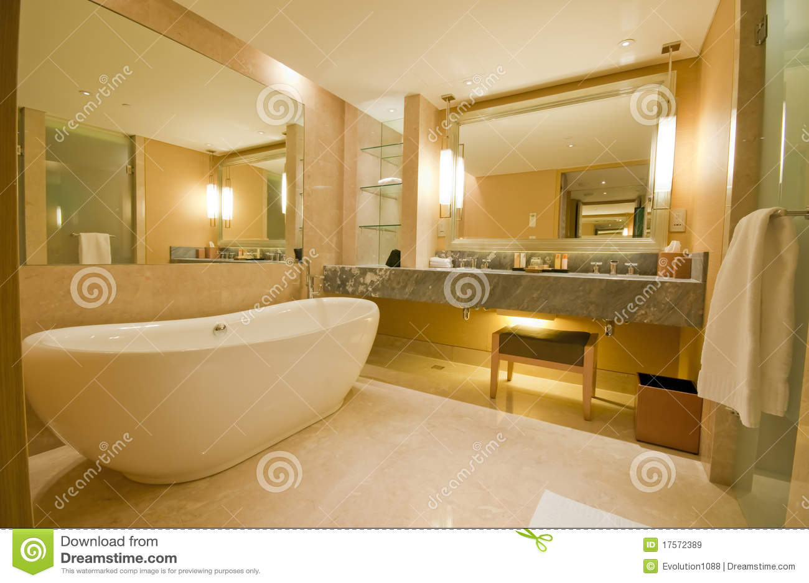Cuarto de ba o lujoso imagen de archivo imagen de b ese 17572389 - Cuadros de cuarto de bano ...
