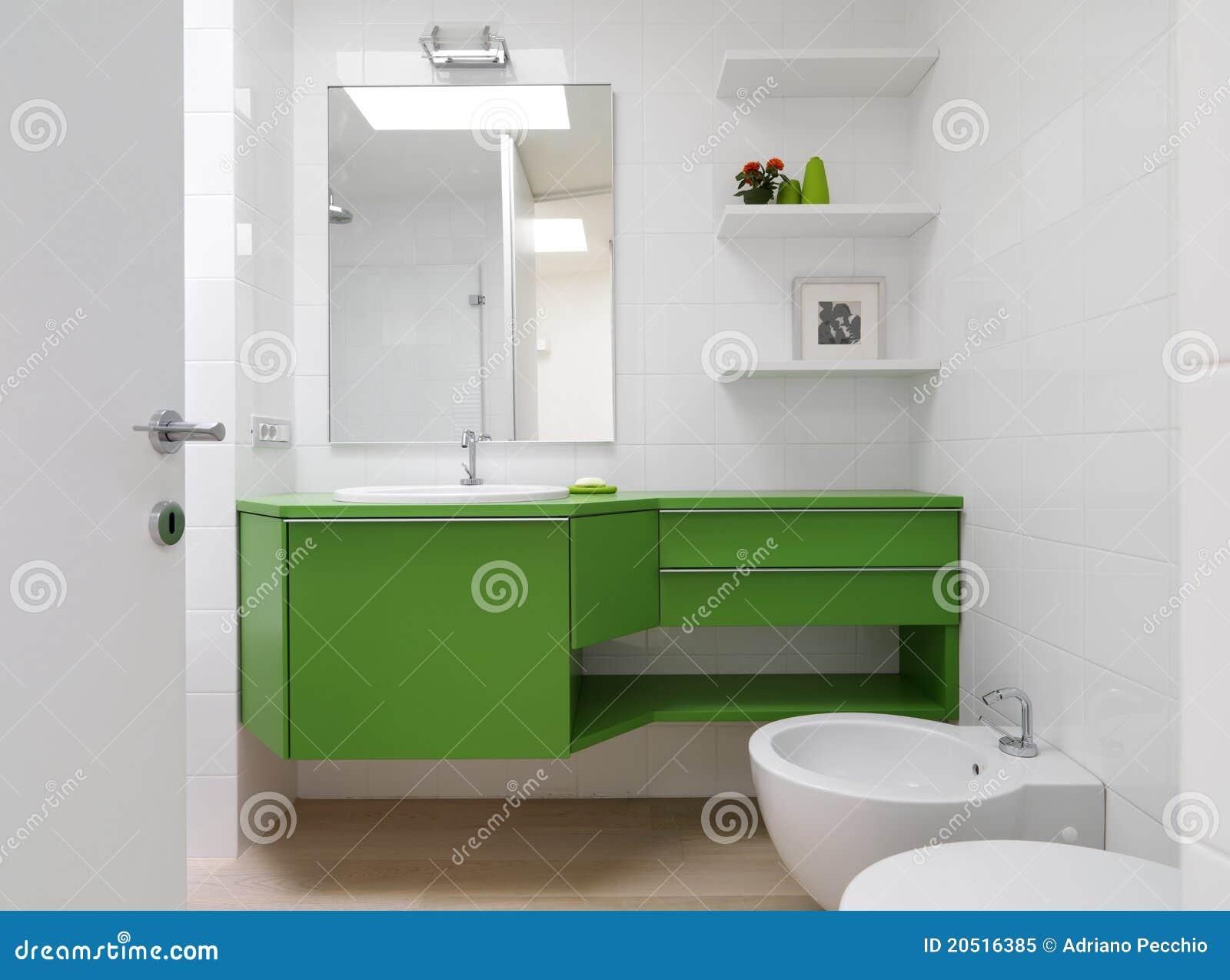 Cuarto De Ba O Moderno Con Muebles Coloridos Imagen De Archivo