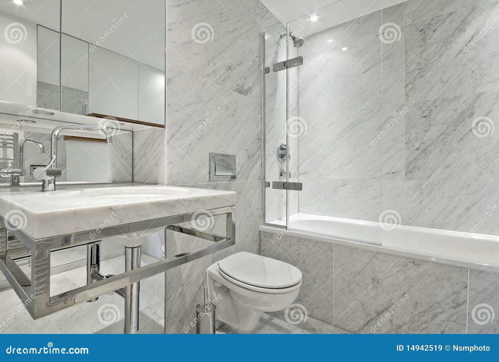 Baños Modernos Marmol:Cuarto De Baño Moderno Del Mármol De La Habitación Del En En Blanco