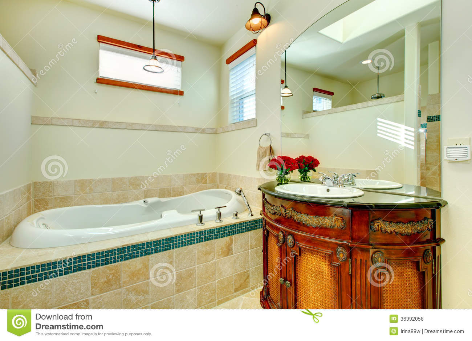 cuarto de ba o moderno elegante con un gabinete de
