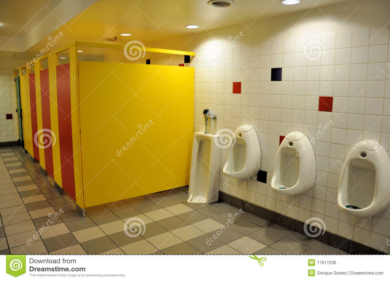 Cuarto de baño público foto de archivo. Imagen de ...