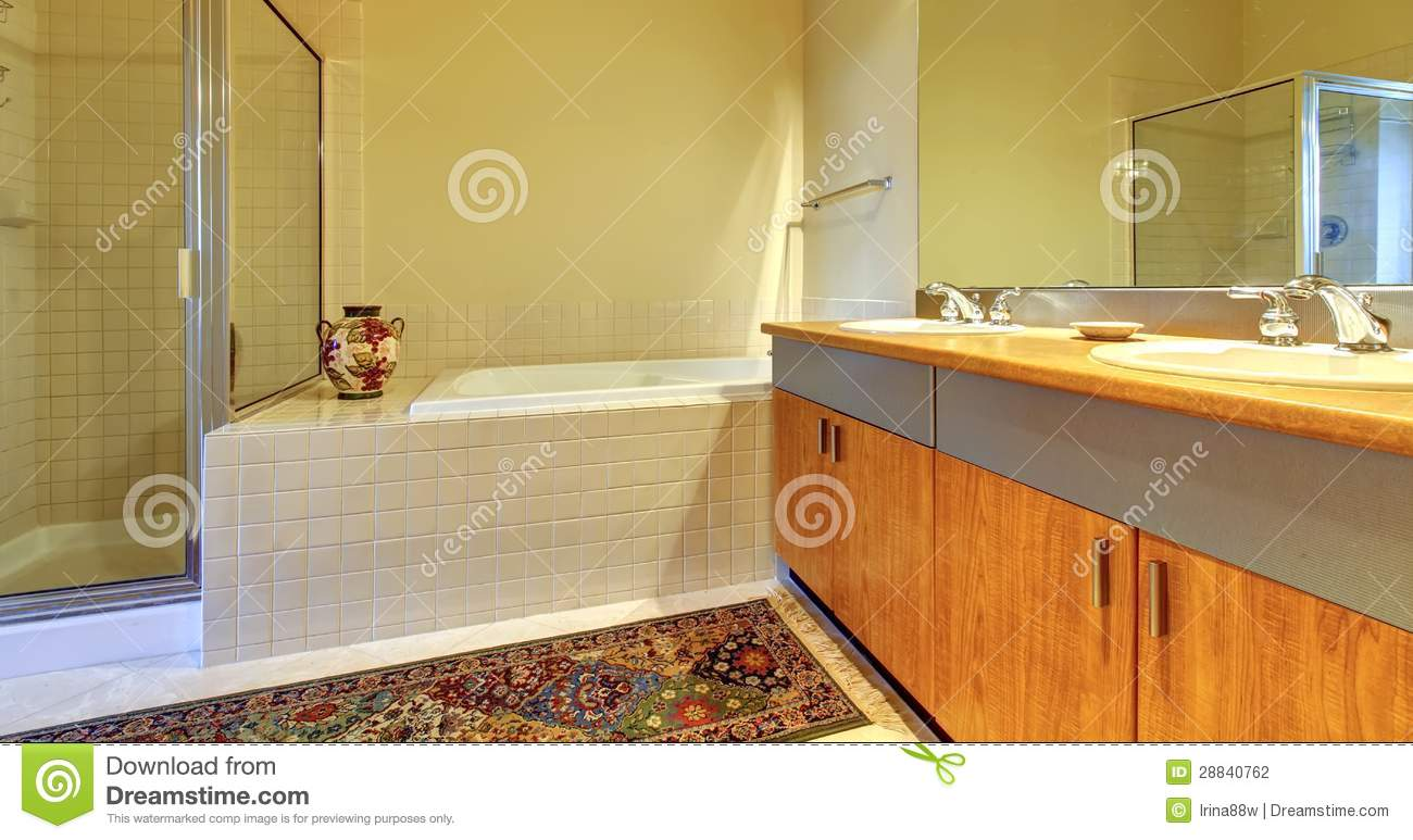 Cuartos De Baño Con Tina:Modern Bathroom with Wood