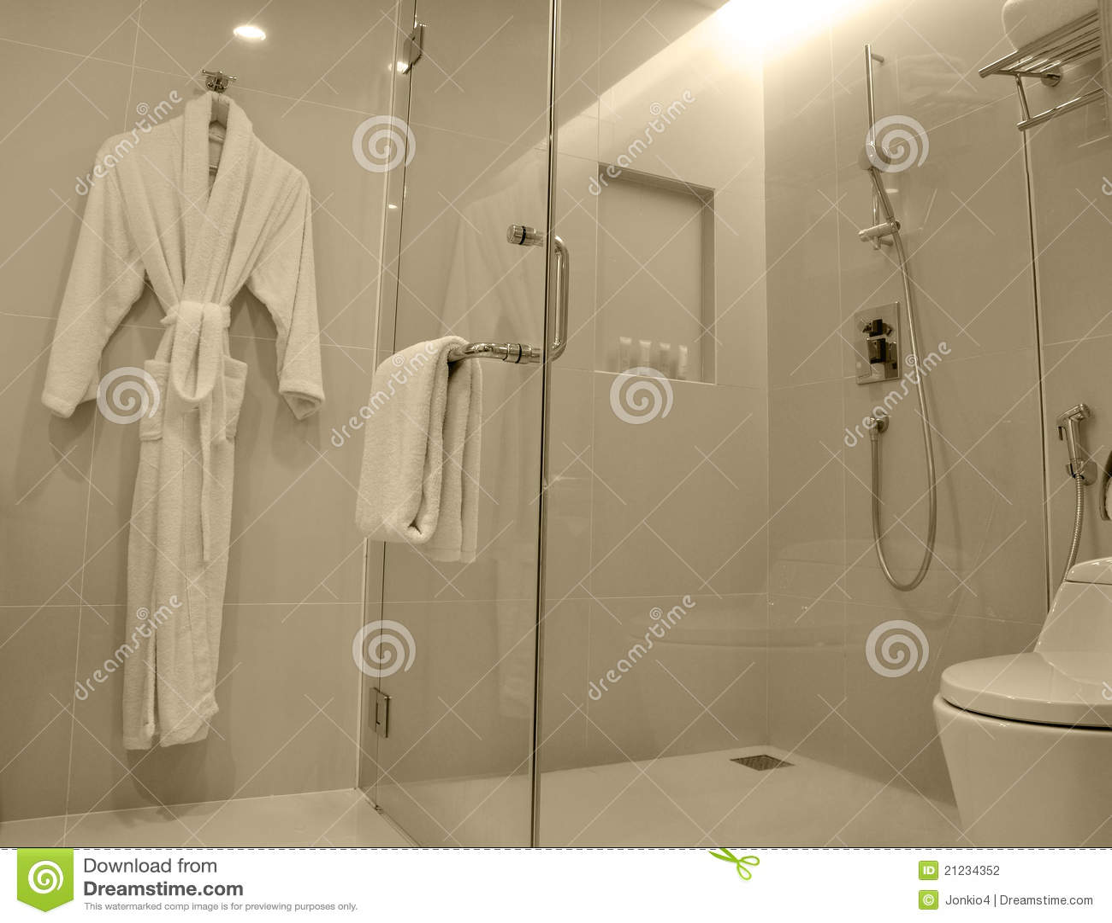 Baño De Lujo Moderno:Cuarto de baño de lujo moderno