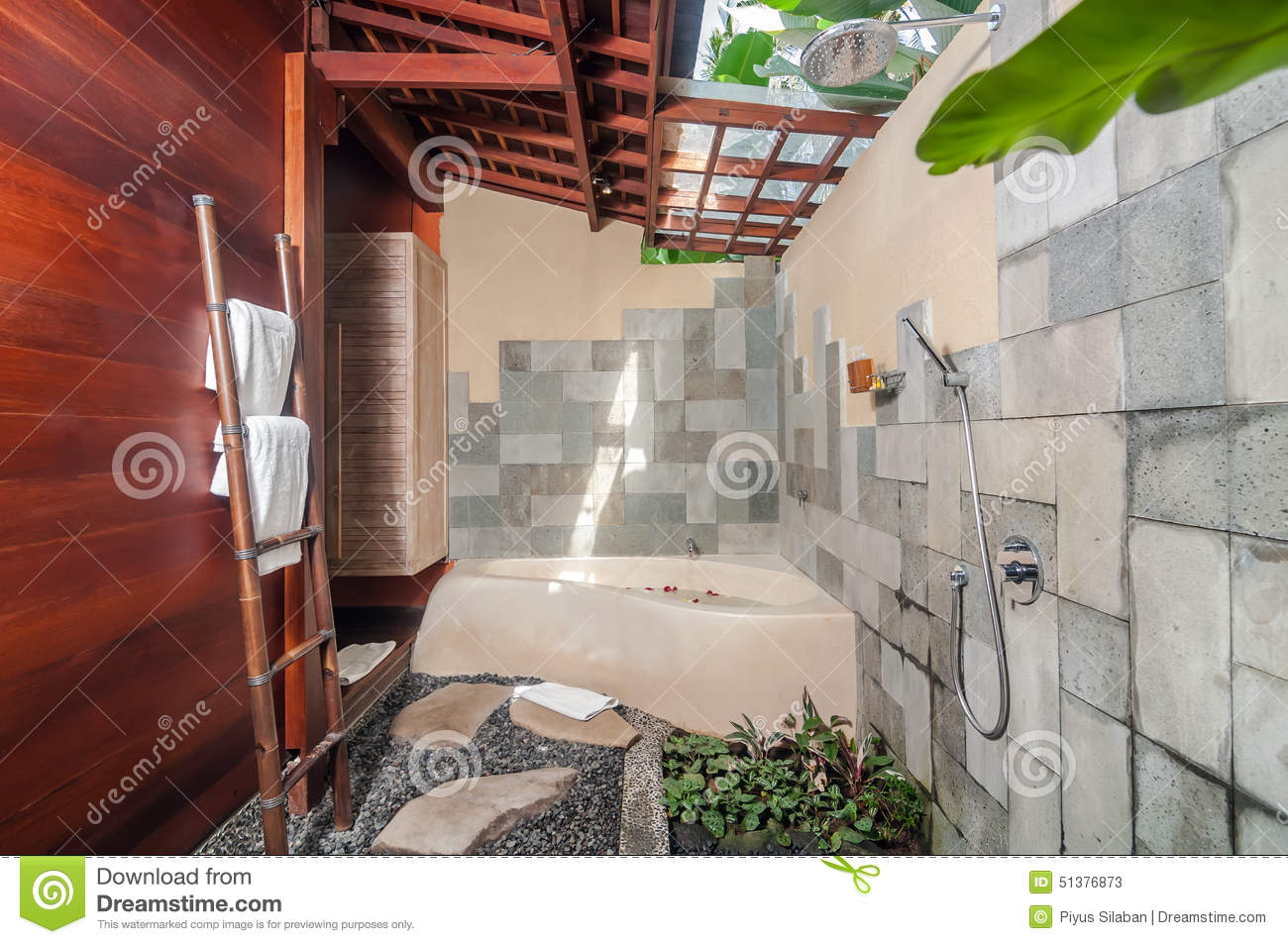 Imagen De Baño Limpio:Luxury Indoor Outdoor Bathroom