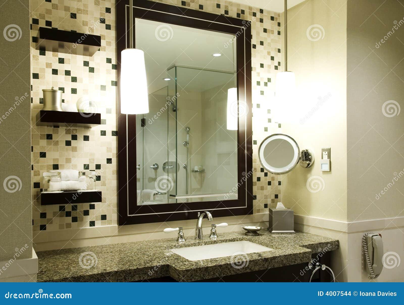 Cuarto de baño moderno imagenes de archivo   imagen: 4007544