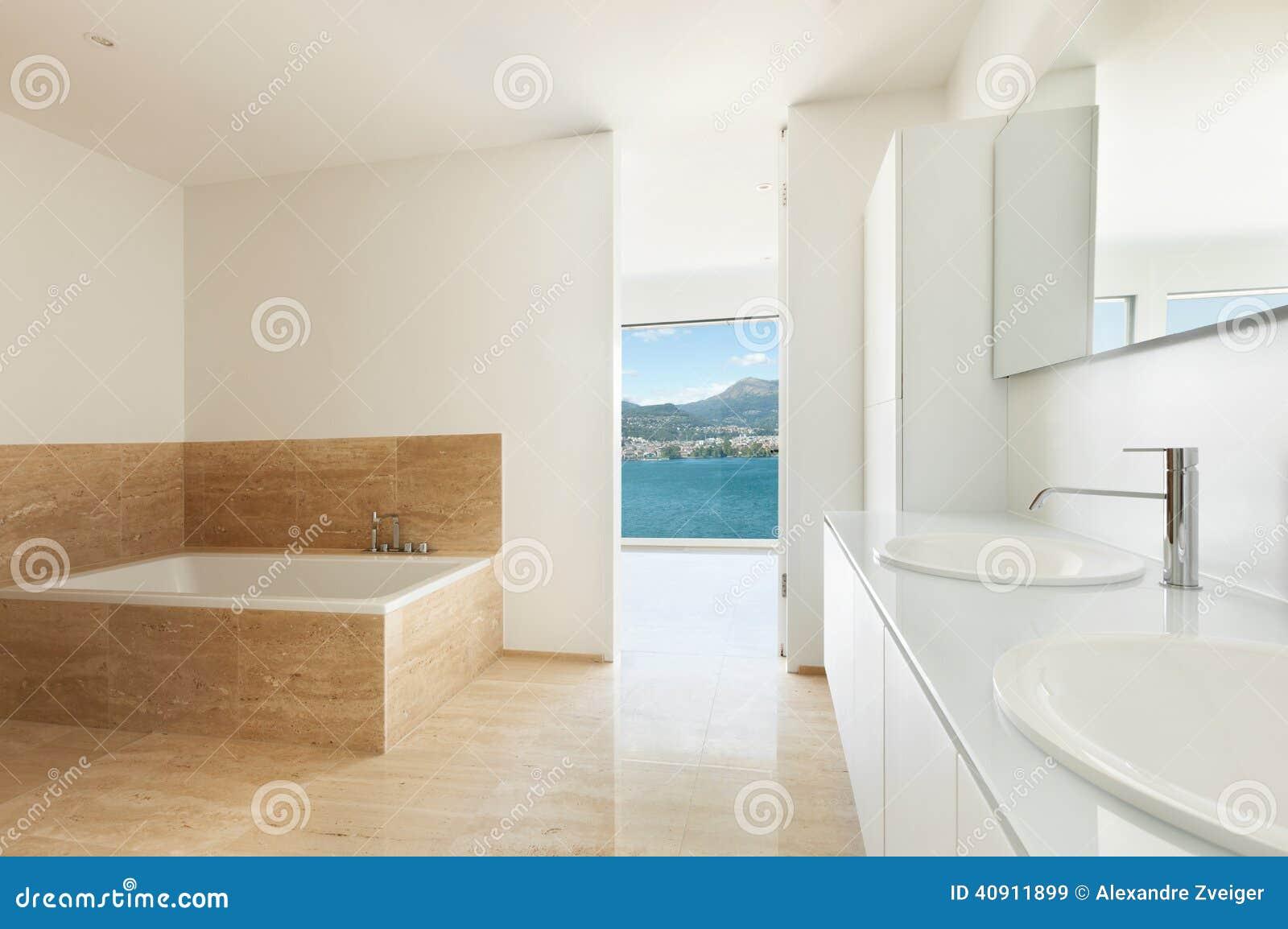 Cuarto de ba o piso de m rmol foto de archivo imagen for Pisos de marmol para bano