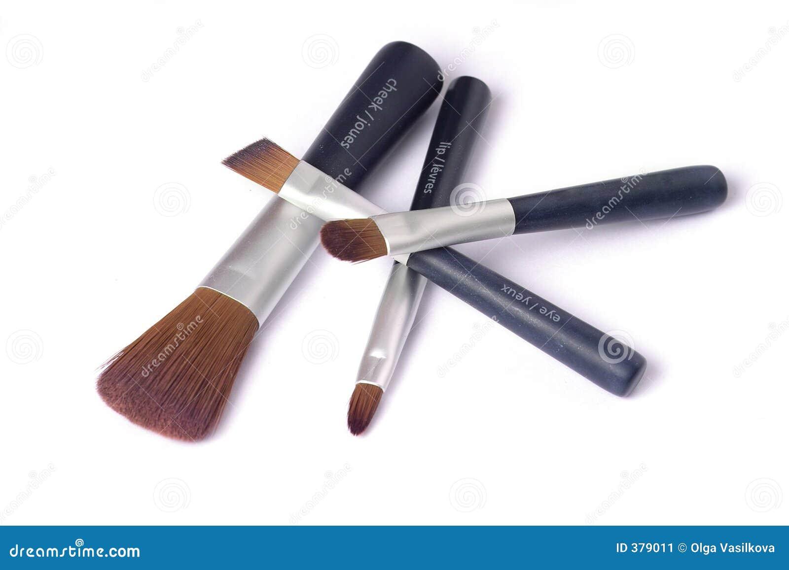 Cuatro cepillos de la belleza