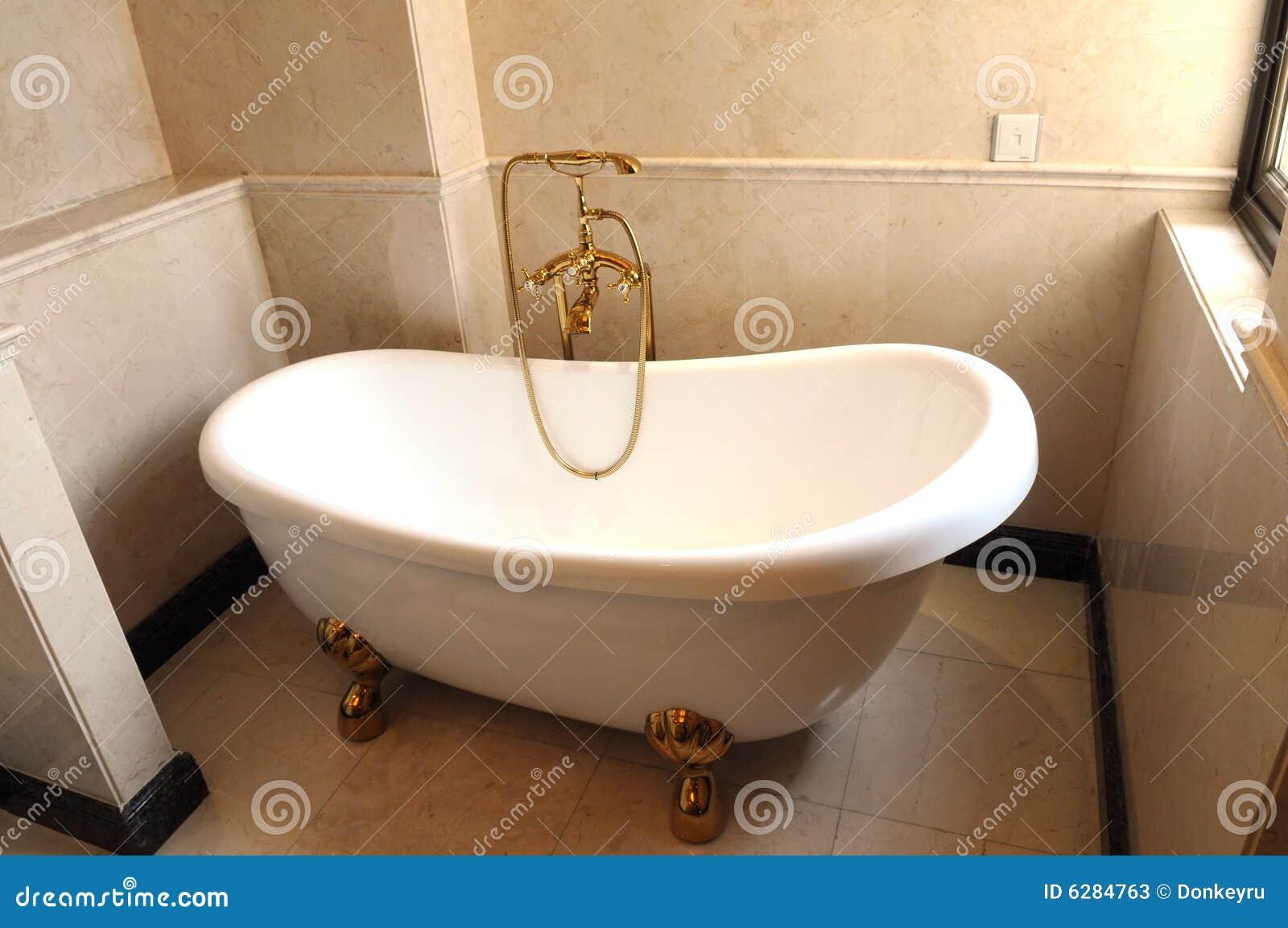 Cuba Cerâmica Branca No Banheiro Fotos de Stock  Imagem 6284763 -> Cuba Banheiro Branca