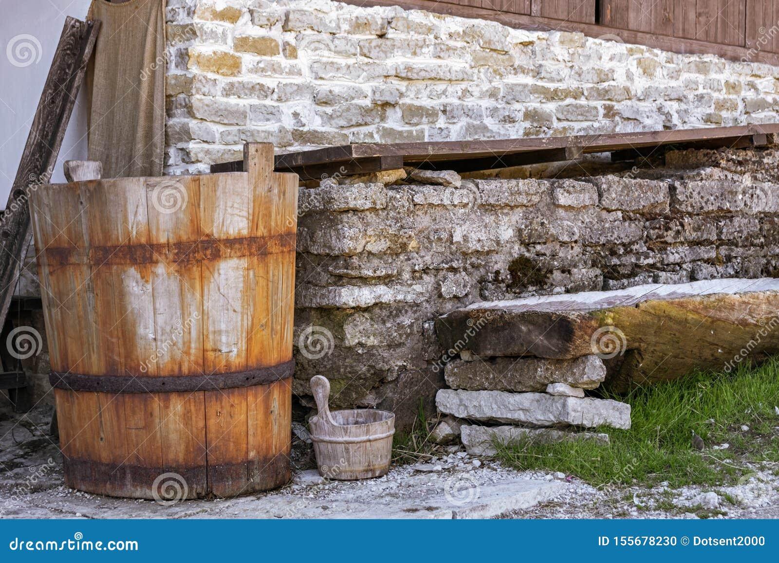 Cuba de madeira velha