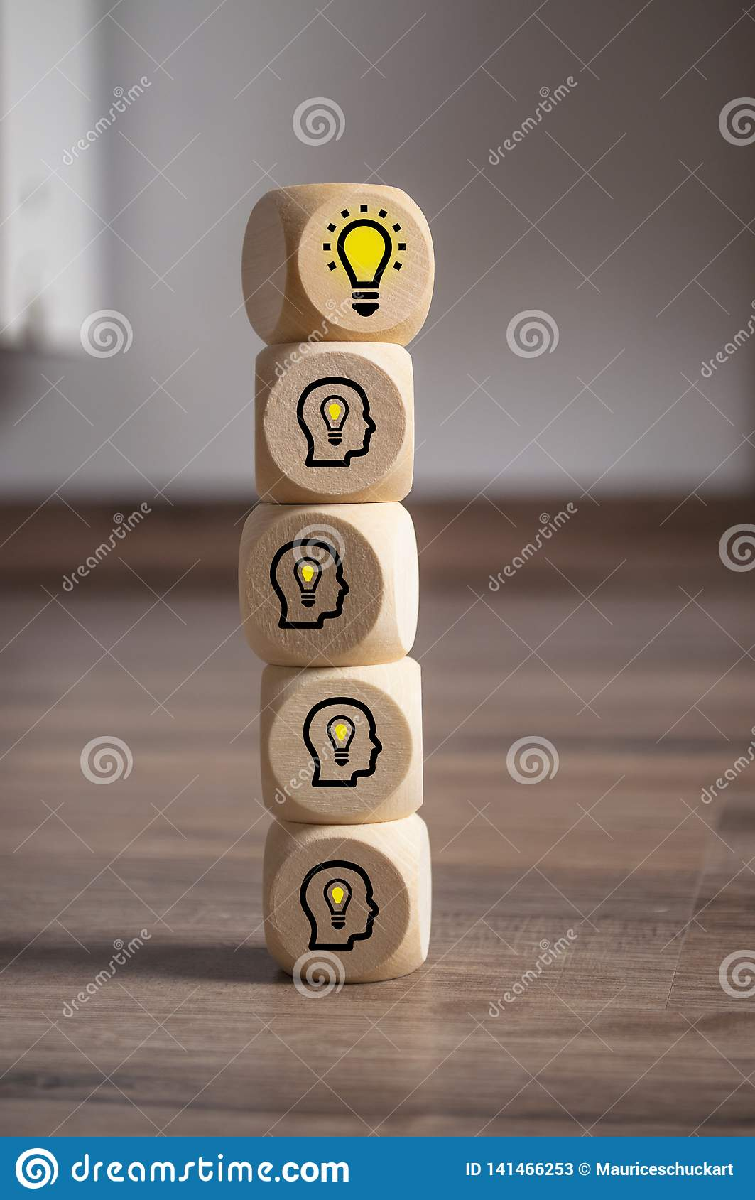 Cubes dice with light bulb and heads with light bulbs