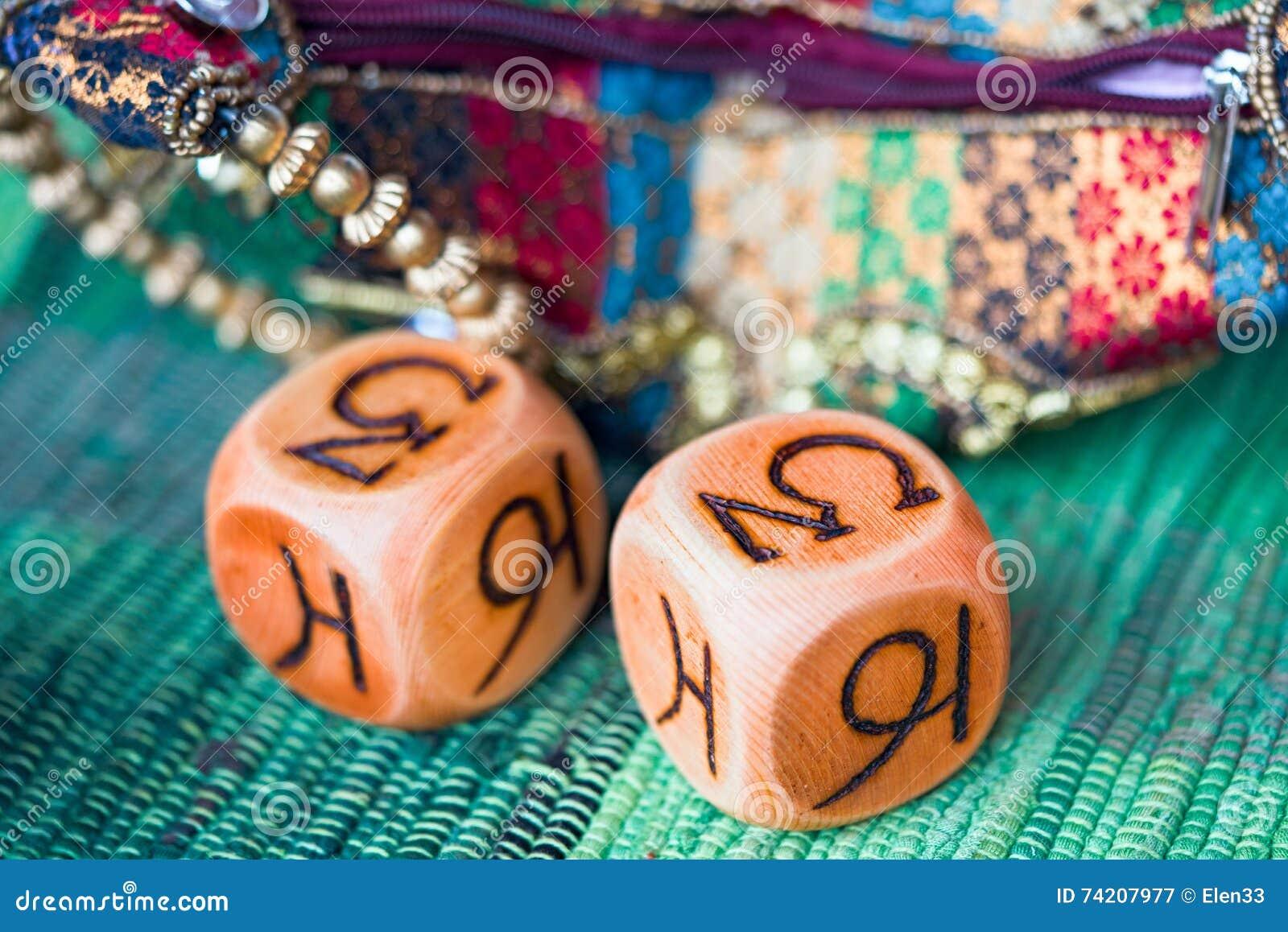 Cubes en astrologie