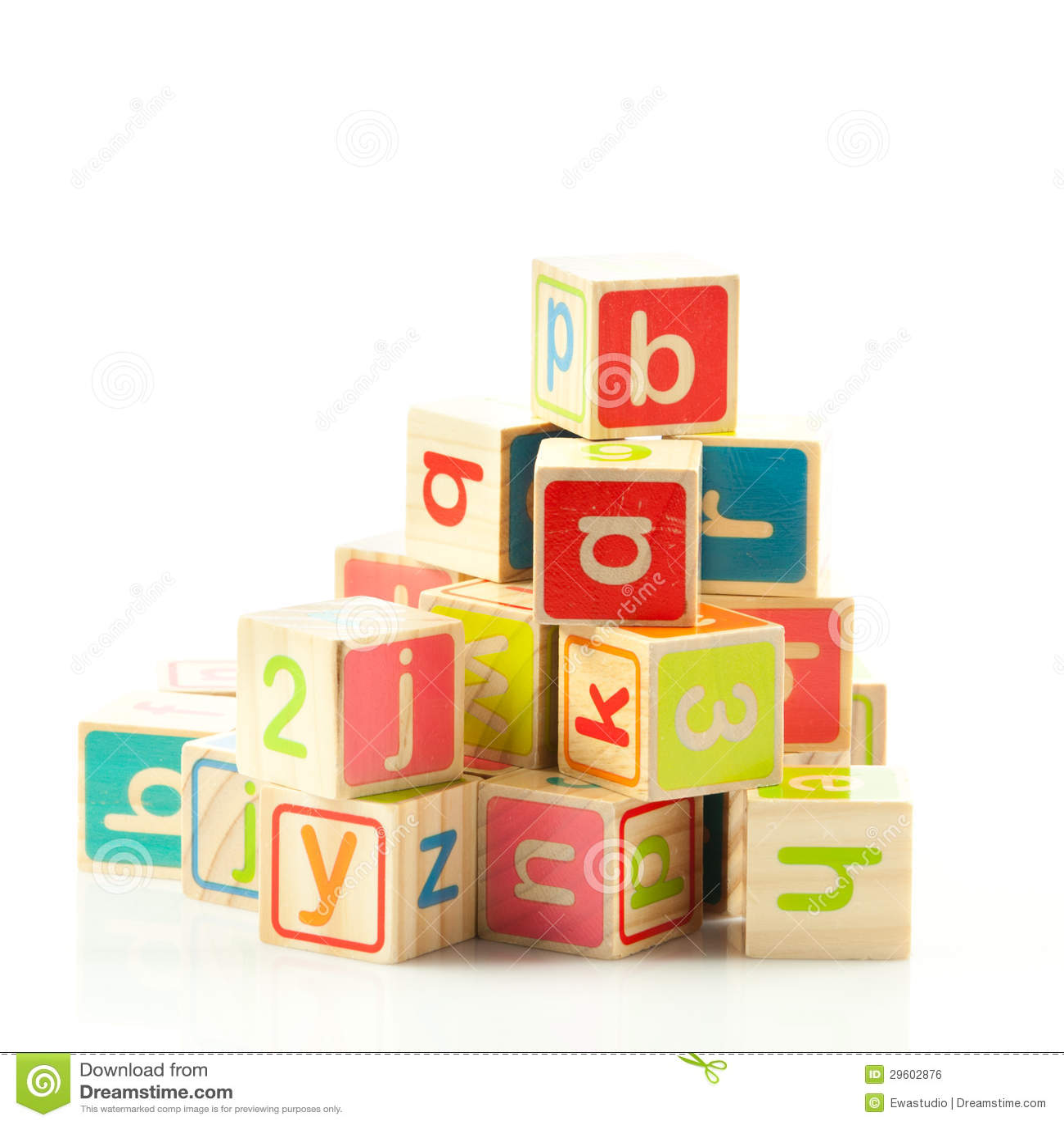 cubes en bois en jouet avec des lettres image libre de droits image 29602876. Black Bedroom Furniture Sets. Home Design Ideas