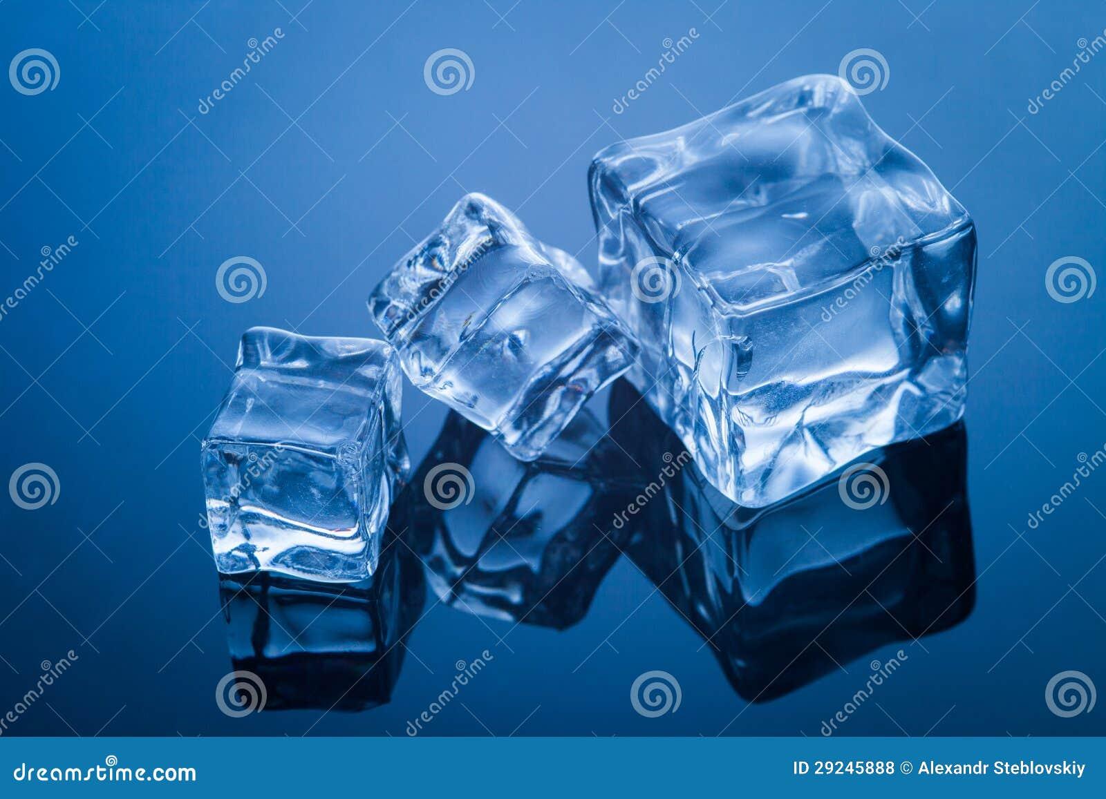 Download Cubos de gelo foto de stock. Imagem de refrigerate, congelado - 29245888
