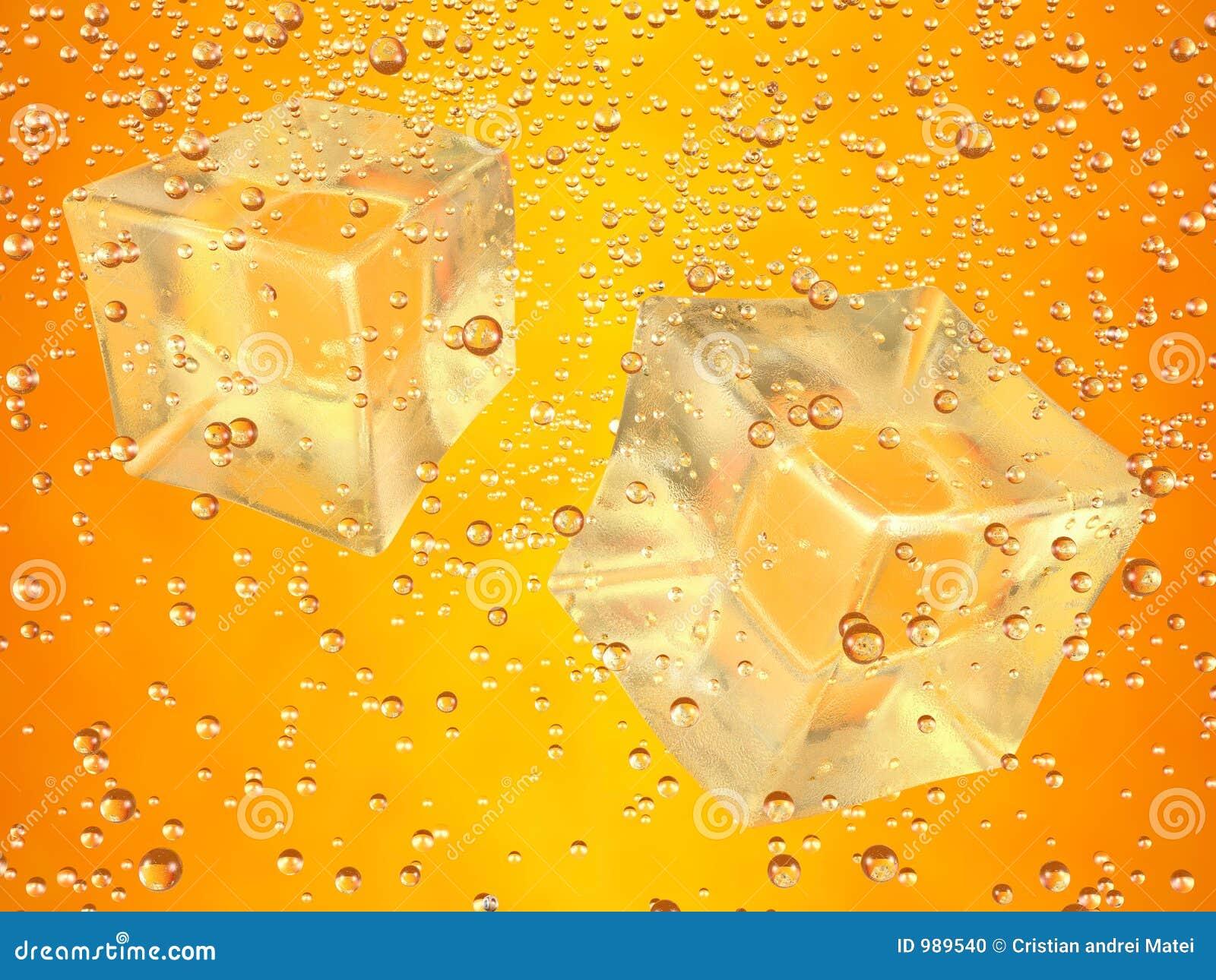 Cubos de hielo anaranjados