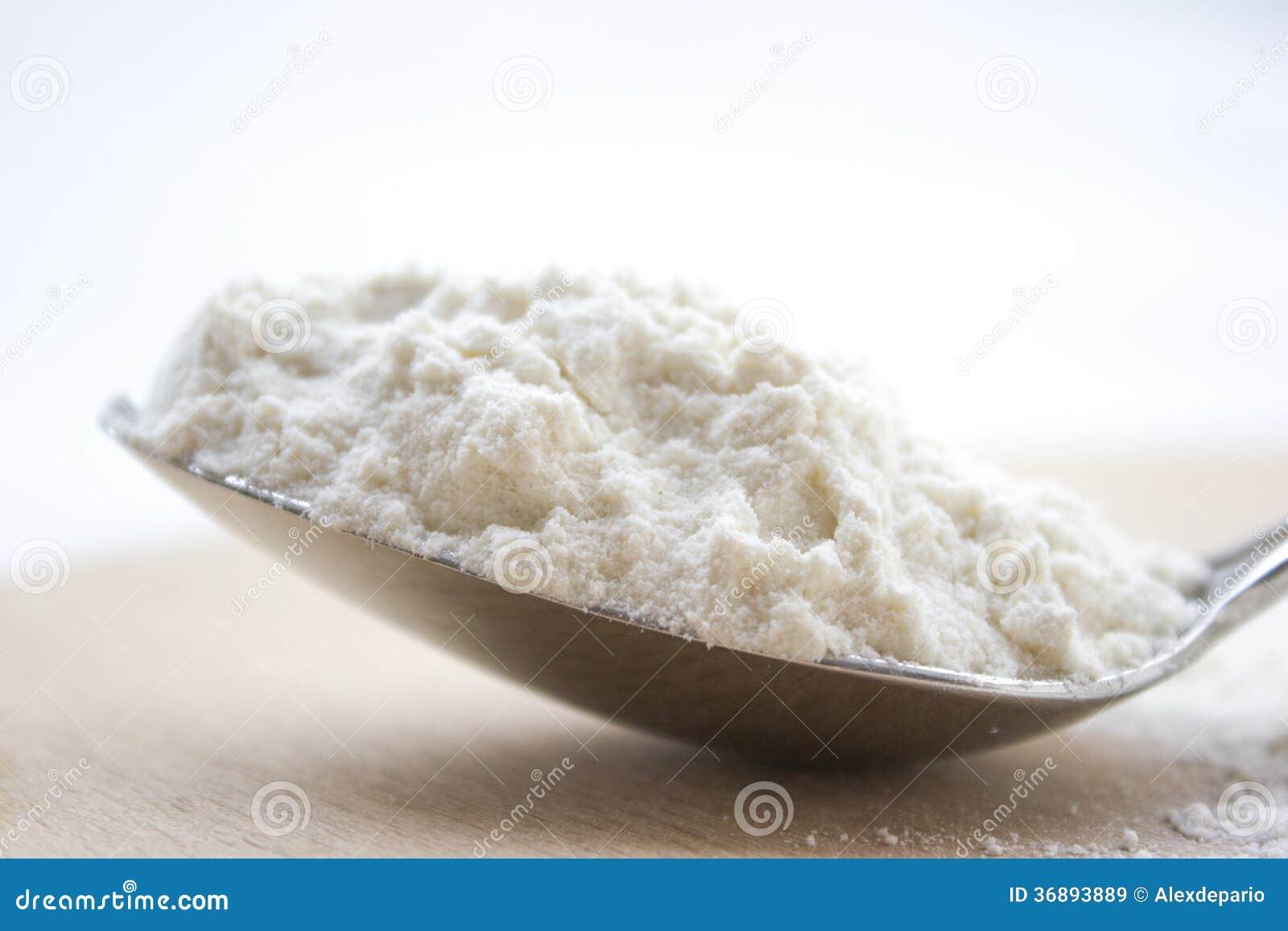 Download Cucchiaio della farina immagine stock. Immagine di breakfast - 36893889