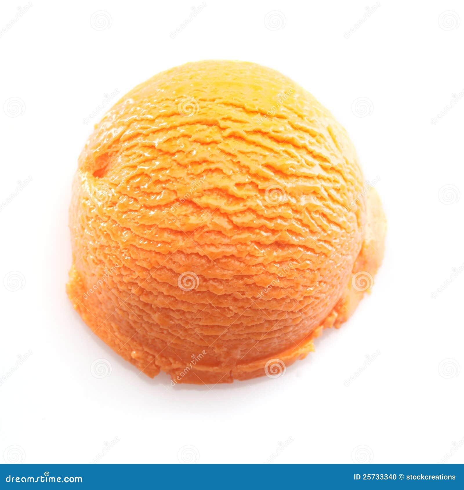 Cucharada anaranjada del helado