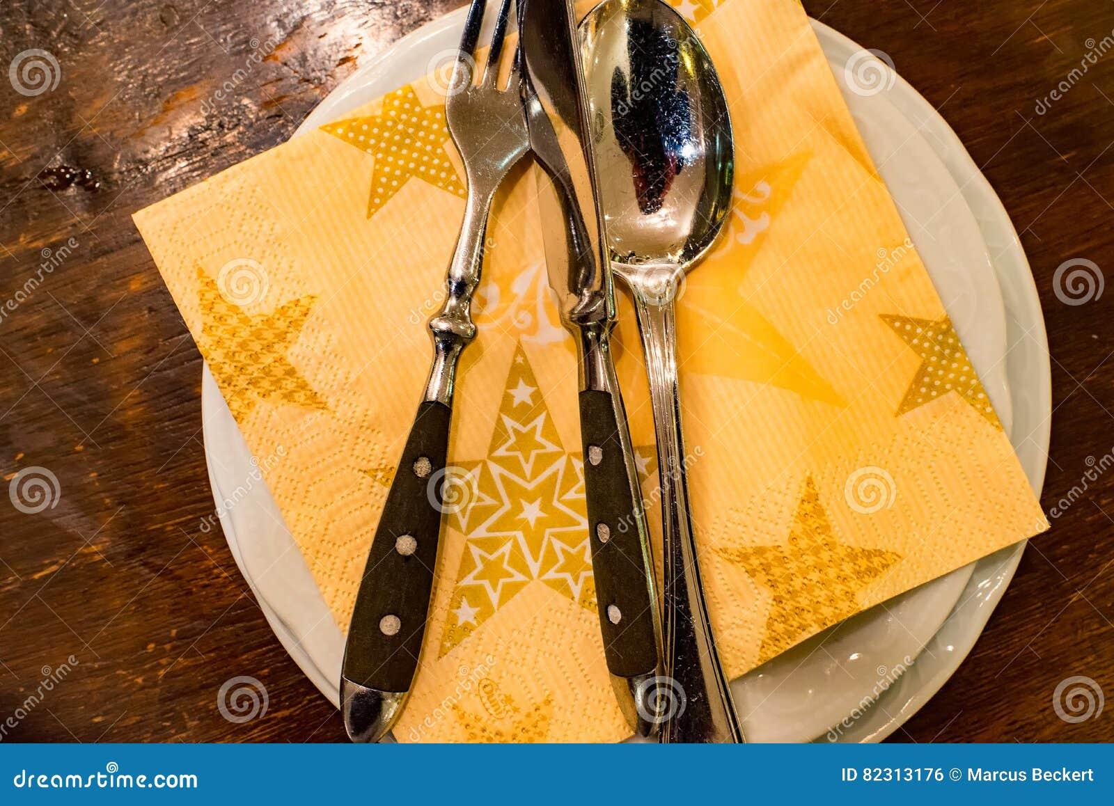 Cuchillo, cuchara y bifurcación