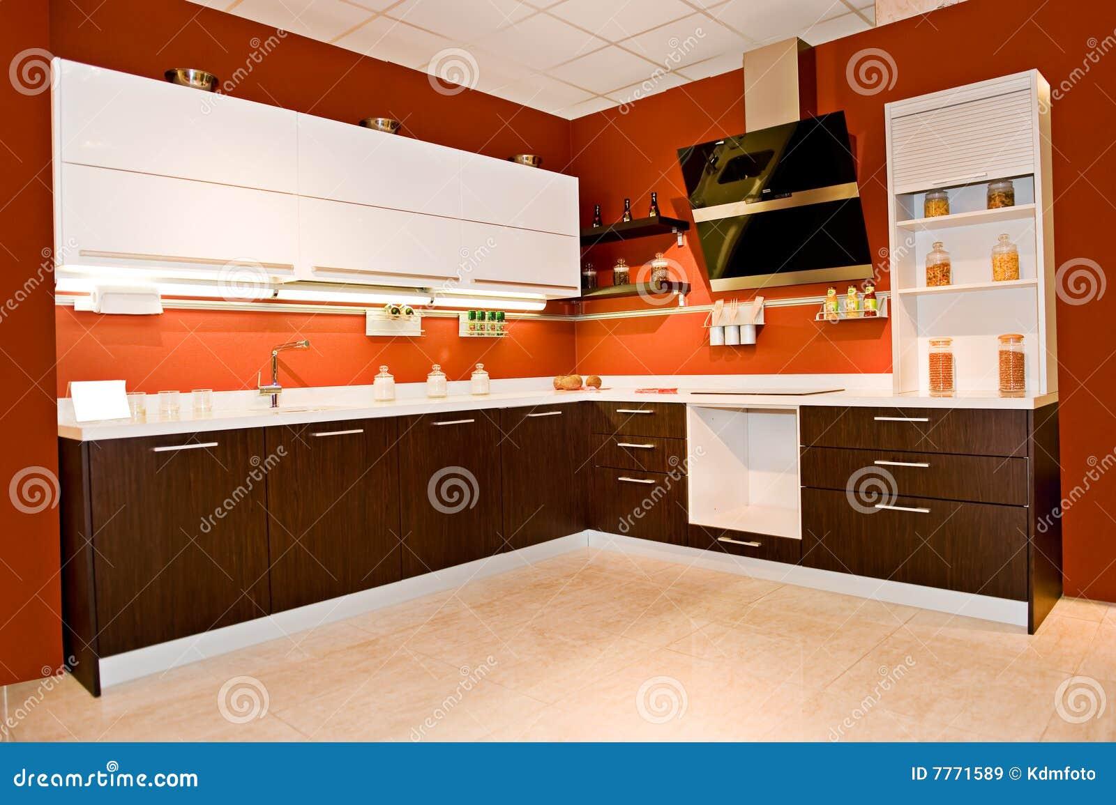 Cucina angolare moderna immagine stock immagine di casa for Stock cucine