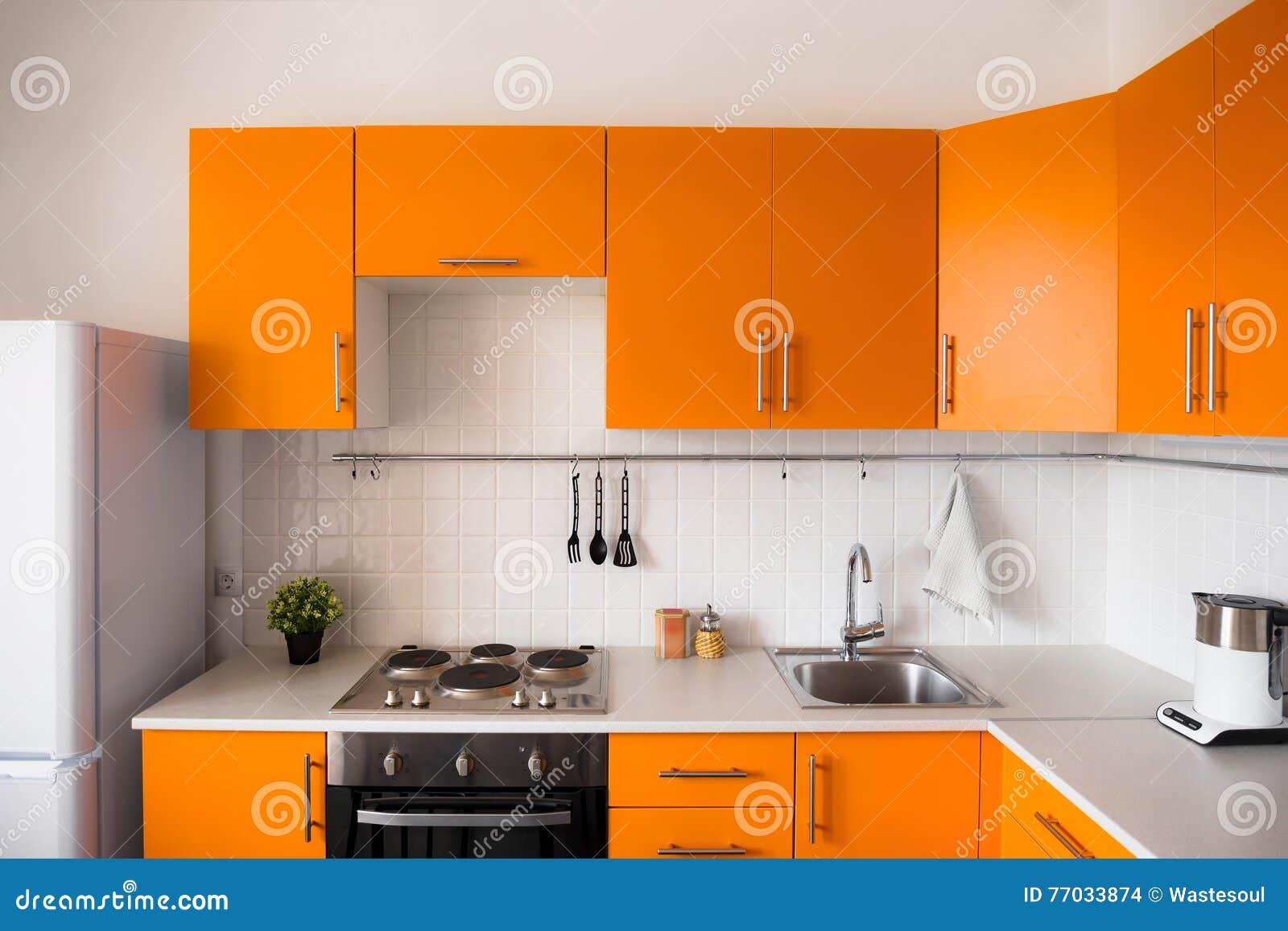 Cucina Moderna Arancione.Cucina Arancione Moderna Fotografia Stock Immagine Di Lusso