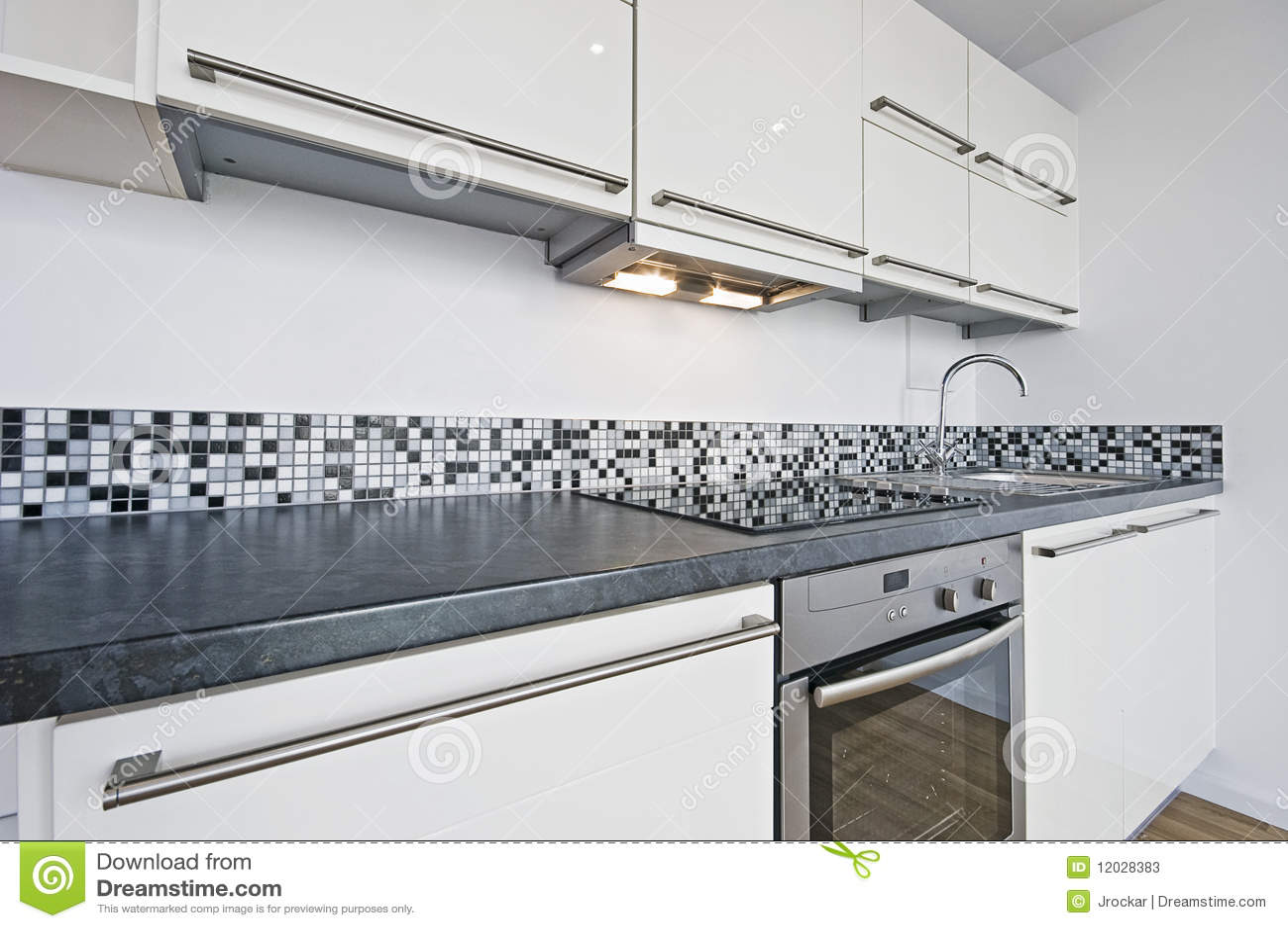 Cucina bianca immagine stock. Immagine di estrattore - 12028383
