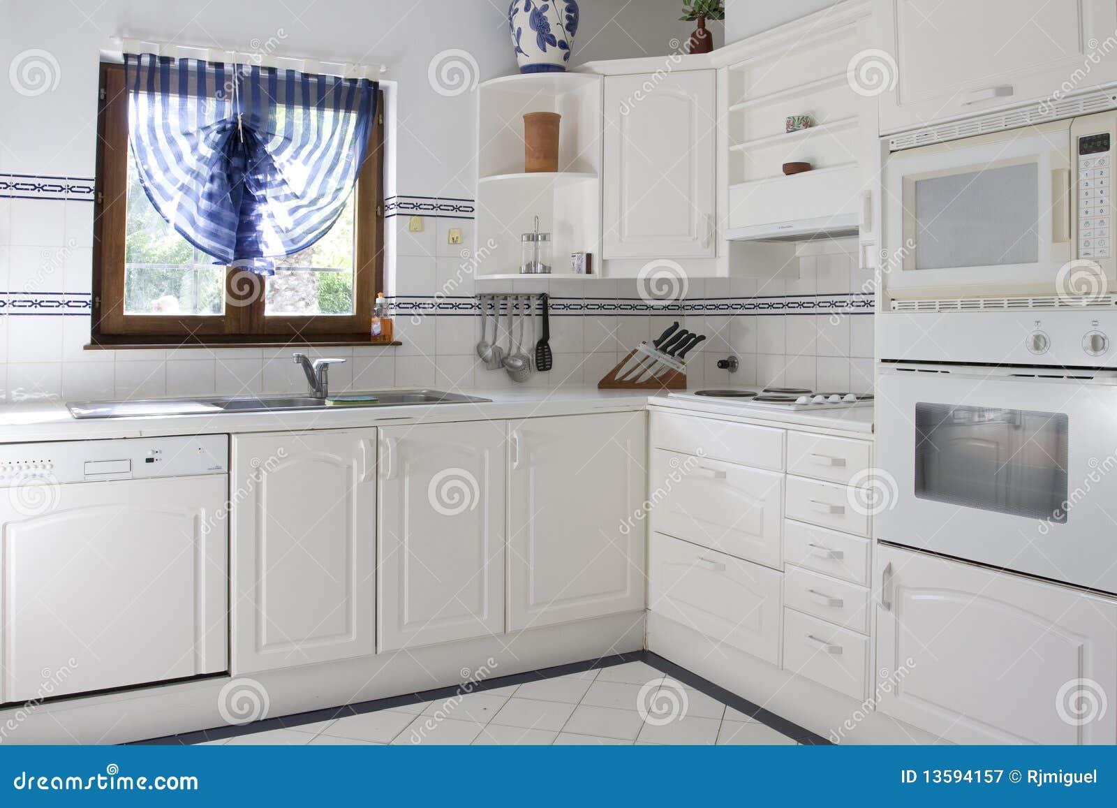 Cucina bianca immagine stock immagine di interno abitudine