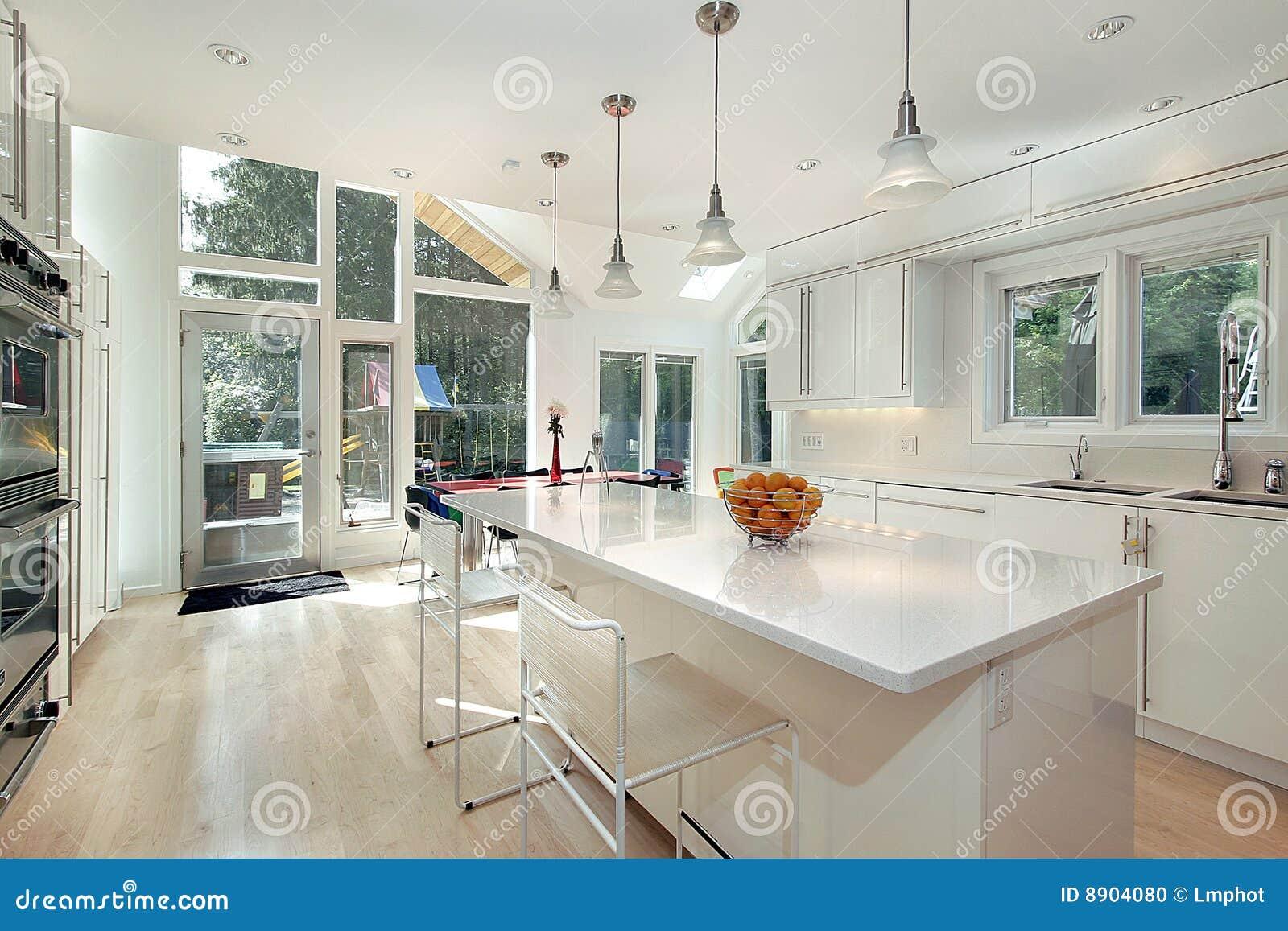 Cucina bianca lucida fotografia stock immagine 8904080 - Cucina bianca lucida ...
