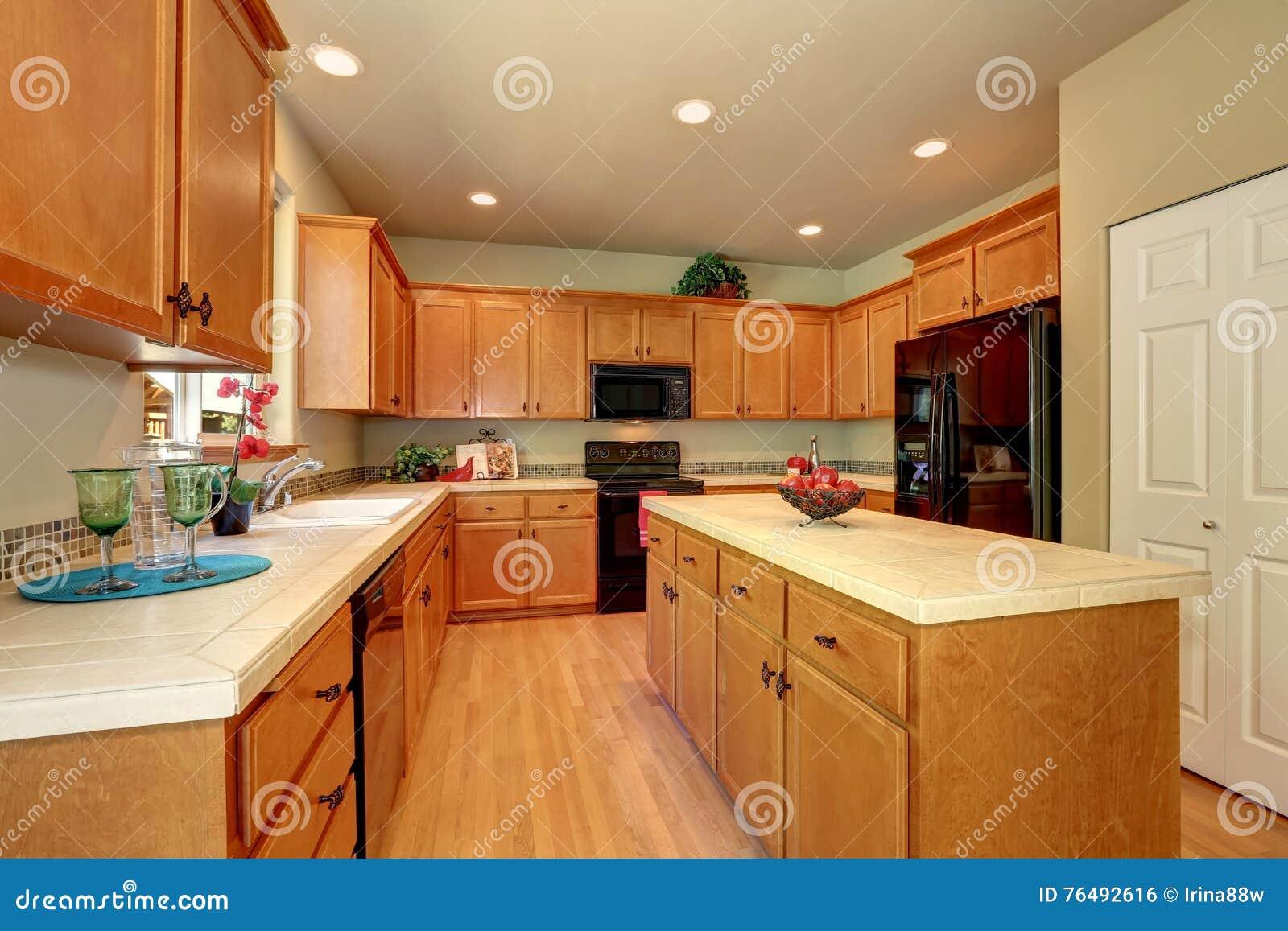 Cucina Di Lusso Color Crema Classica Americana Con Gli ...