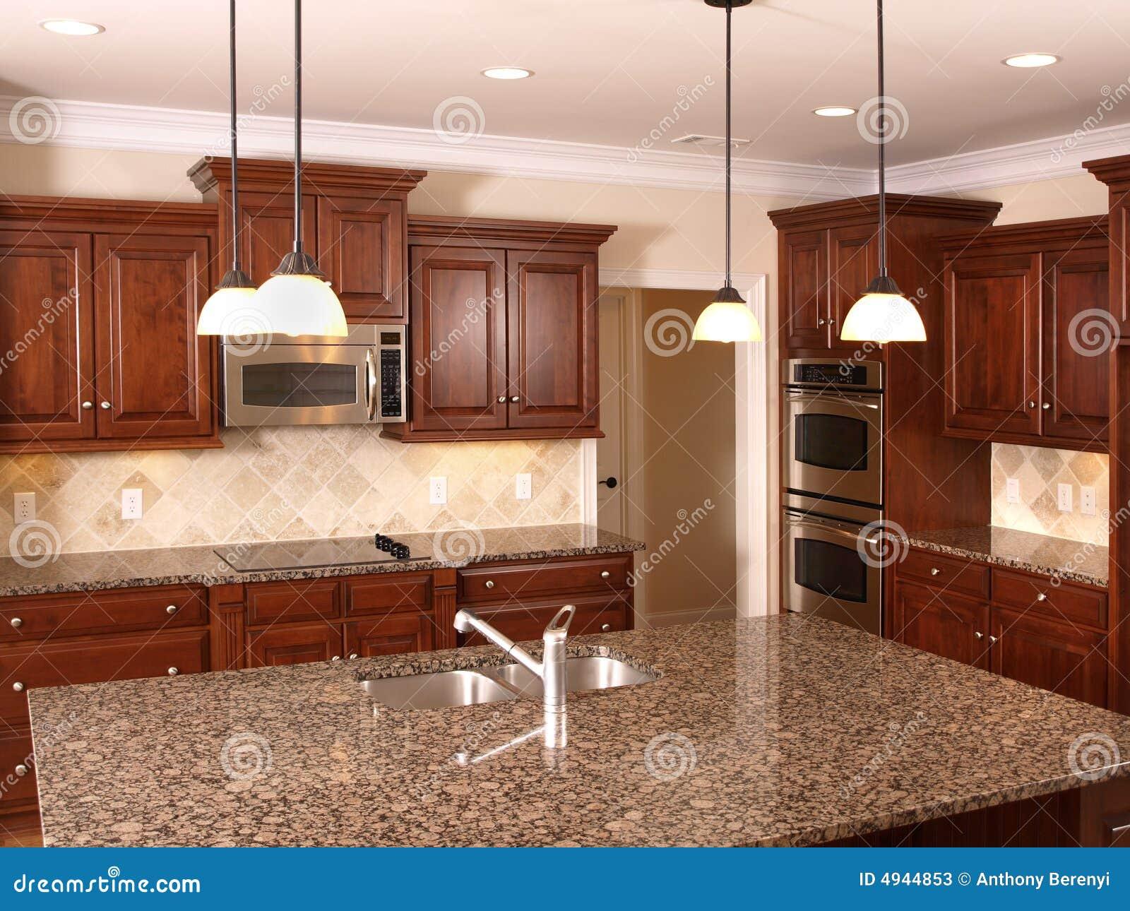 Cucina di lusso con l 39 isola 3 immagine stock immagine - Cucina con l isola ...