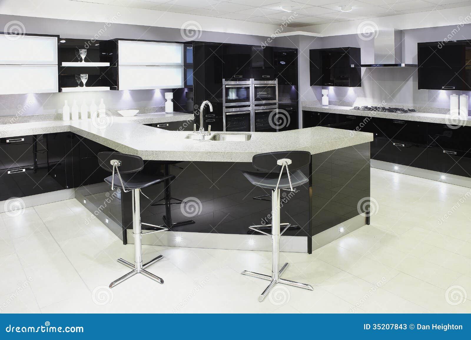 Cucina Di Lusso Di Qualità Superiore Moderna Immagine Stock ...