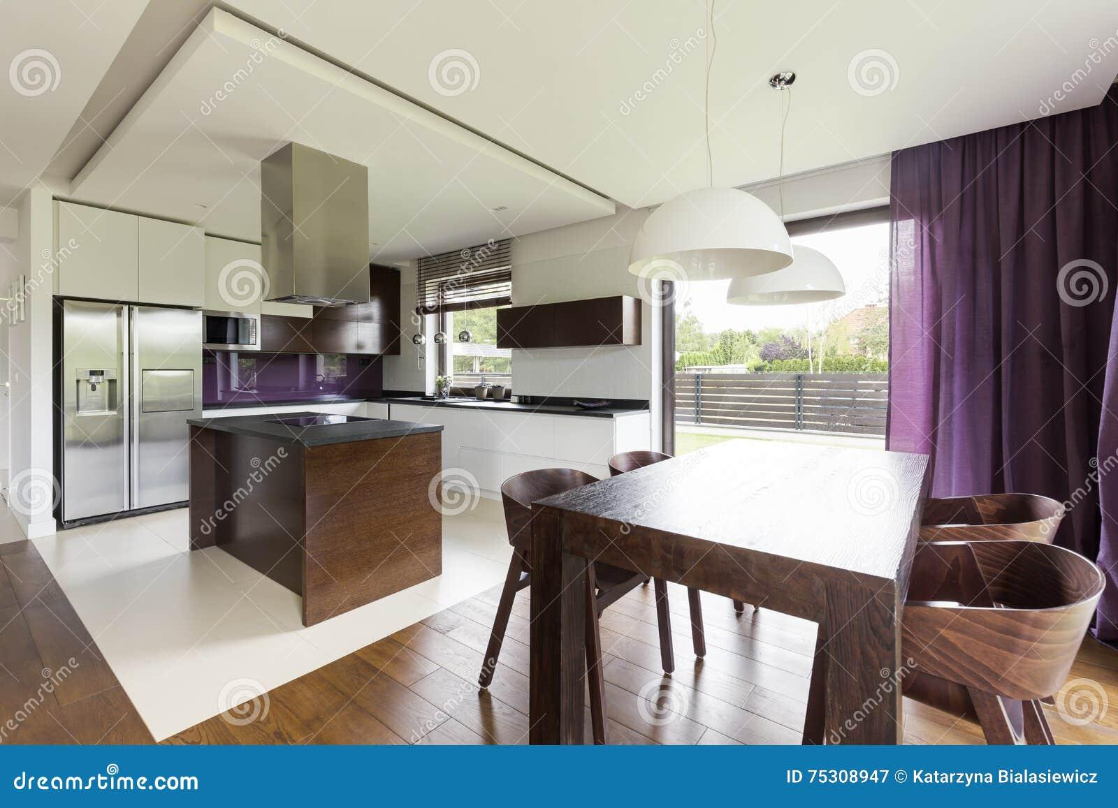Cucina Con Isola E Sala Da Pranzo - The Homey Design