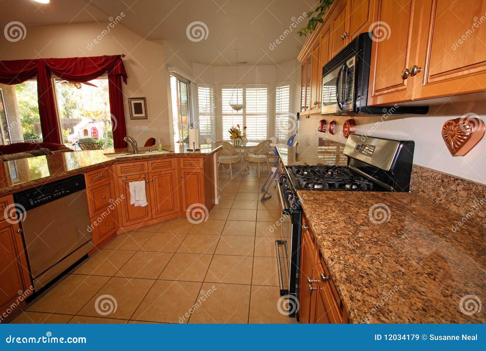 Cucina e sala da pranzo moderne immagine stock immagine for Cucina con sala da pranzo