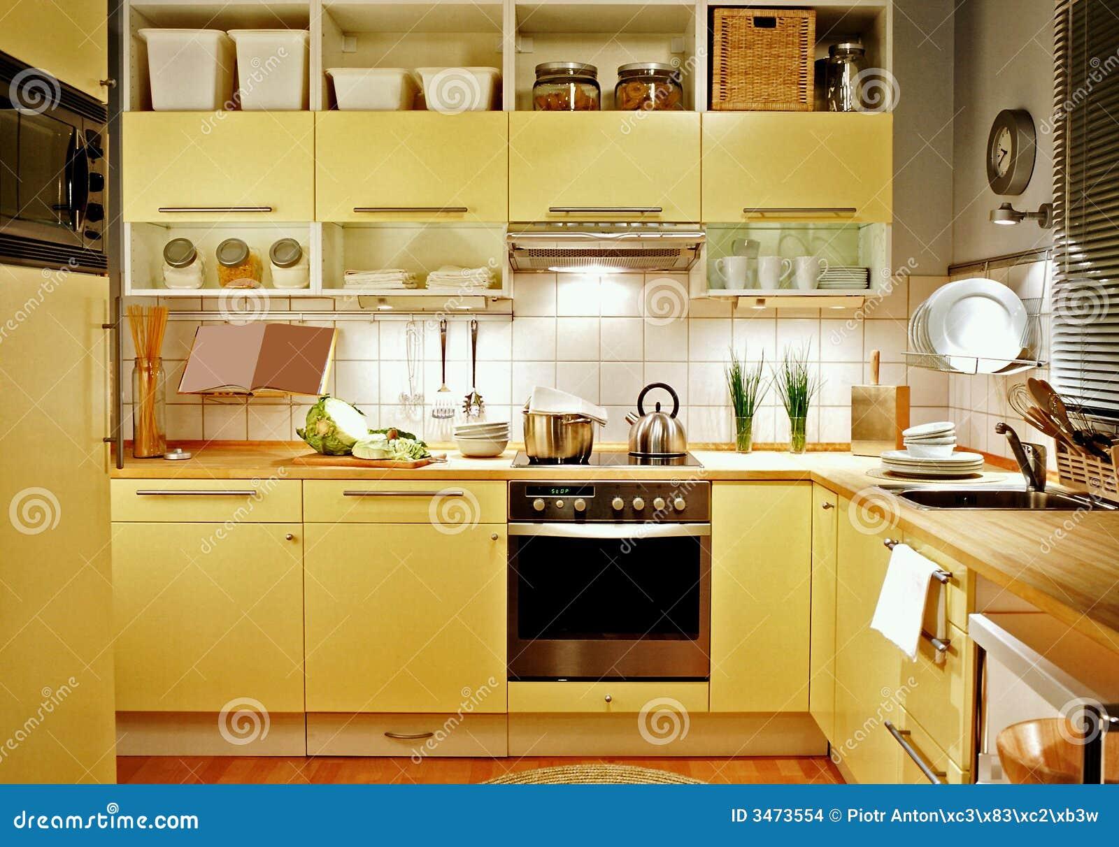 Cucina Gialla Immagini Stock - Immagine: 3473554