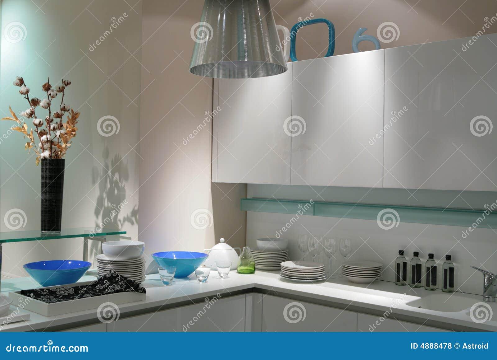 Cucina moderna bianca fotografie stock libere da diritti - Cucina moderna bianca ...