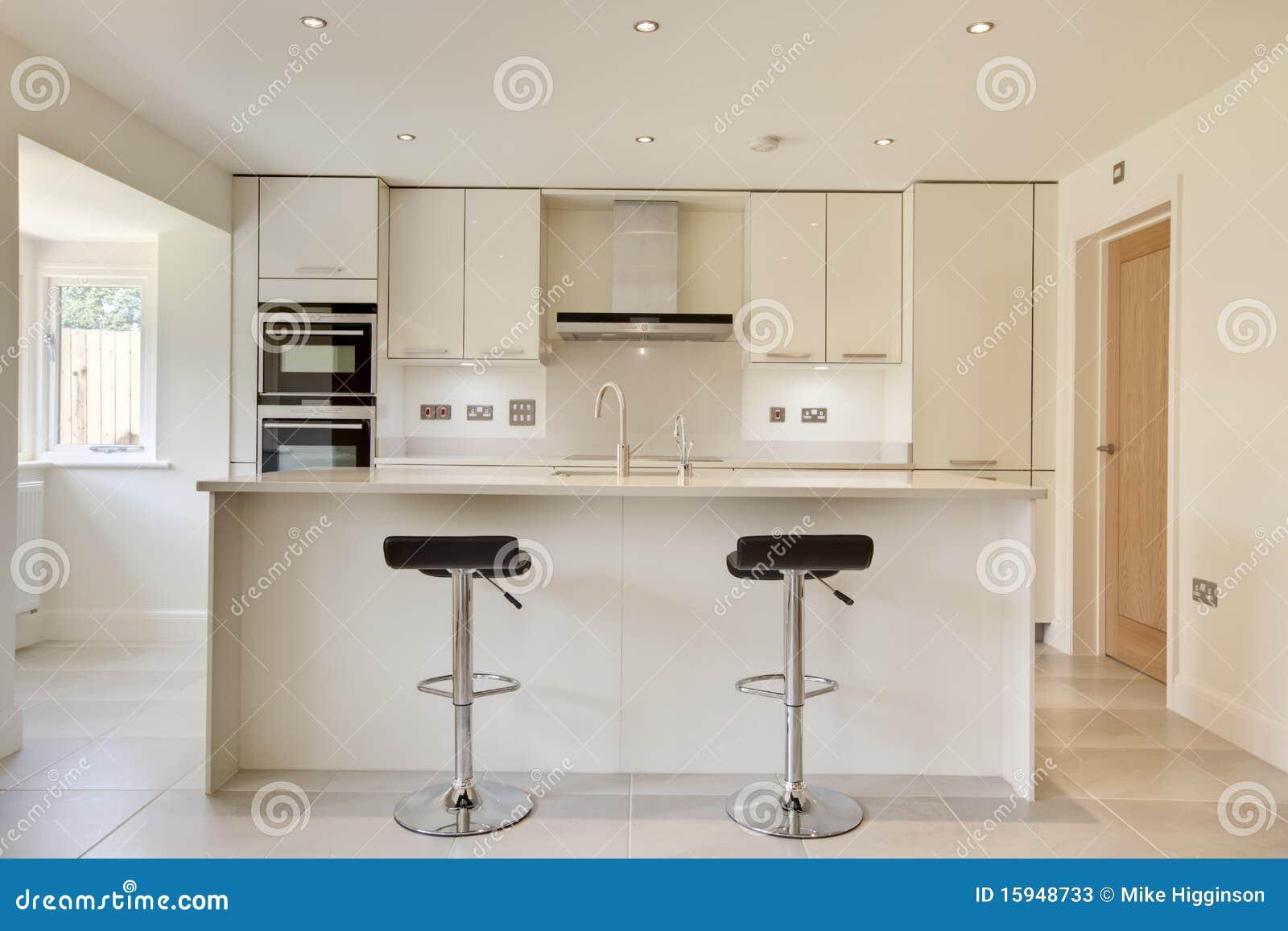 Cucina moderna contemporanea immagine stock immagine for Cucina moderna contemporanea