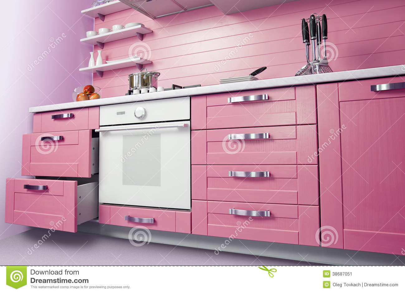 Cucina rosa moderna immagine stock immagine di pantry - Cocina rosa ...